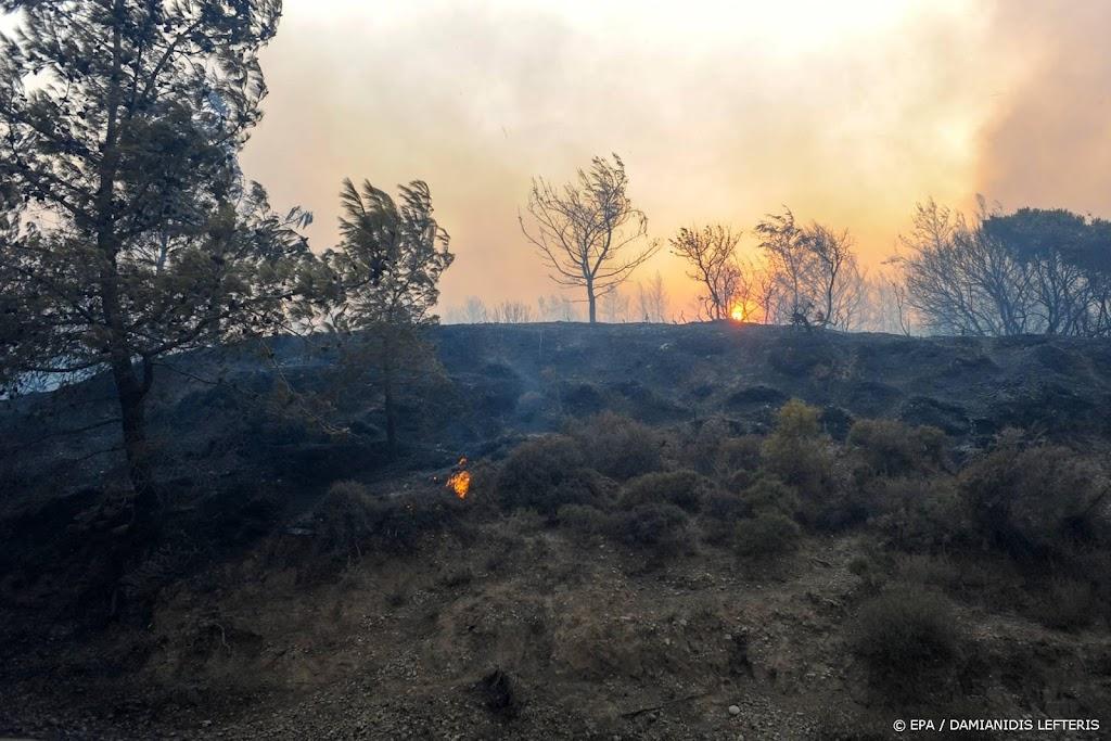 Griekse autoriteiten: grote brand op Rodos bijna onder controle
