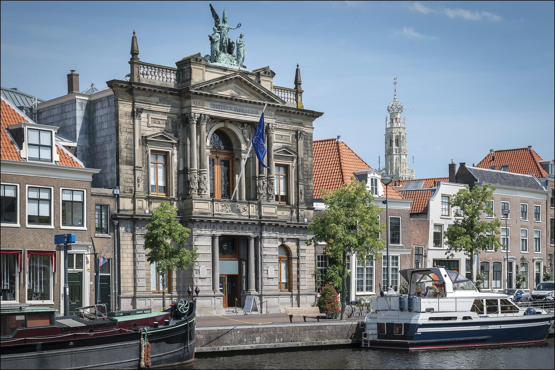 Teylers Museum Haarlem verplicht mondkapjes vanaf dinsdag, rest culturele instellingen volgt mondkapjesbeleid regering [update]