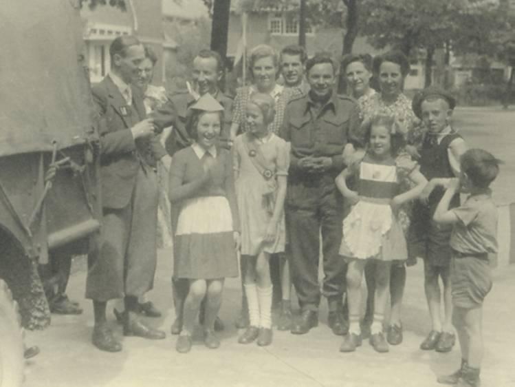 'We verkochten kaarsen voor de ondergrondse. De Duitse buren van de Luftwaffe namen er een heel stel af, wisten zij veel'