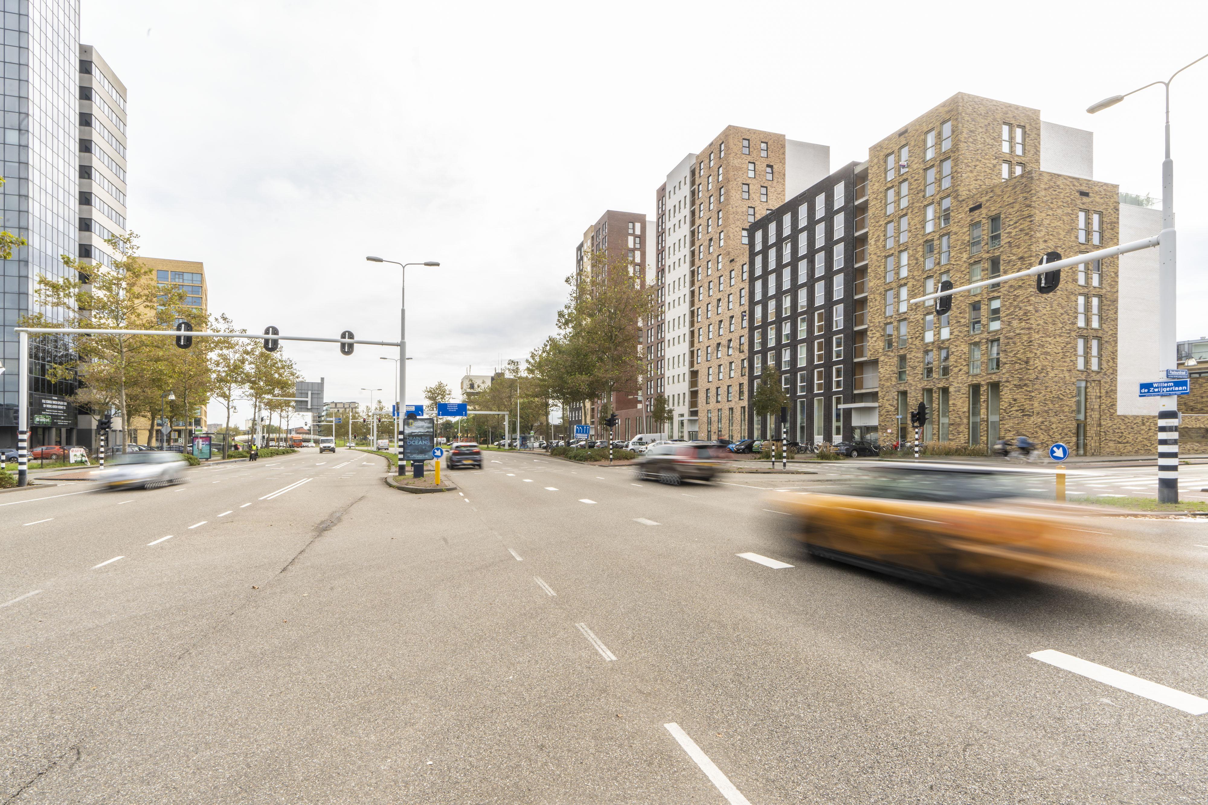 Laatste fase asfalteren Leidse Willem de Zwijgerlaan