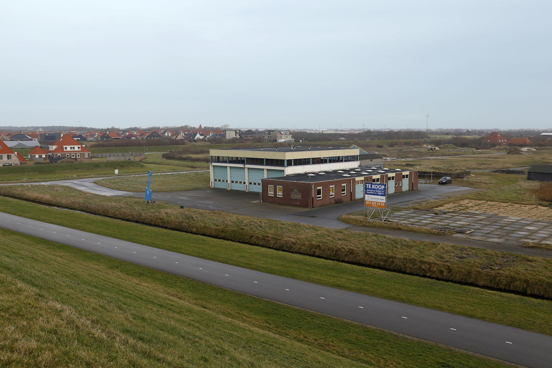 Prachtige bouwlocatie bij Petten, vindt de gemeente: de oude waterschapswerf. Maar de provincie zegt 'halt'