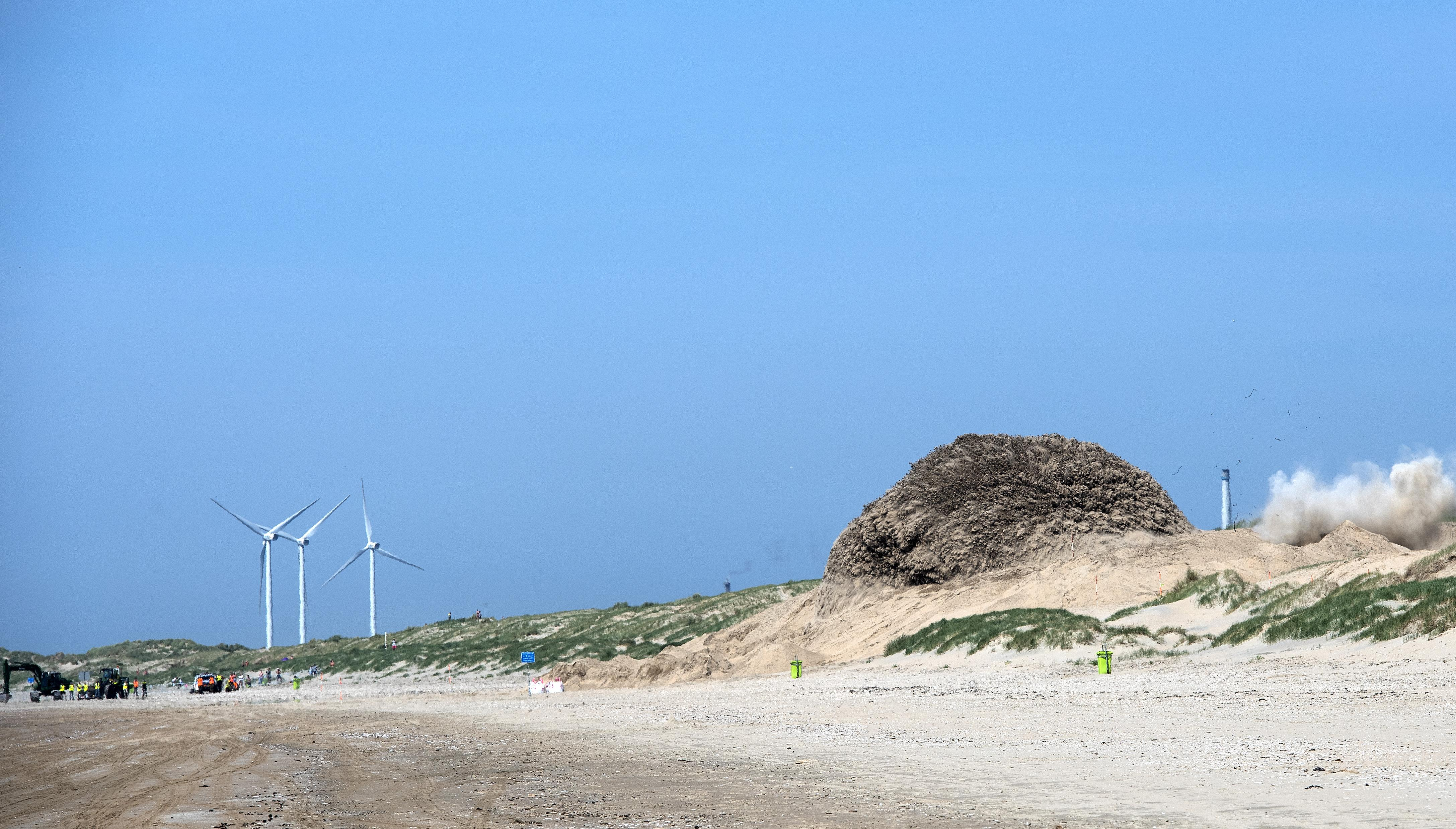 Luchtruim gesloten; de bom mag ontploffen op strand Bloemendaal