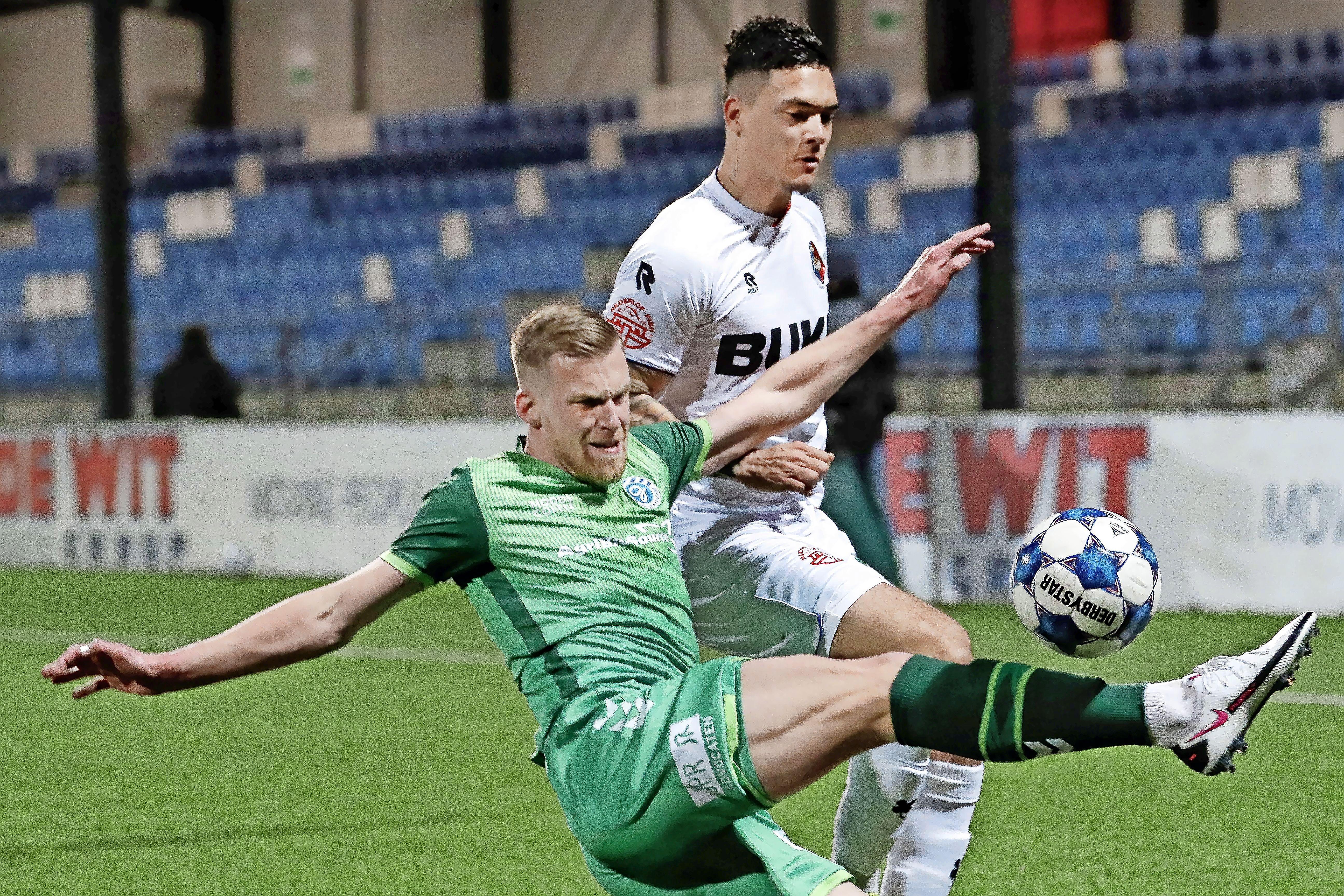 Shayne Pattynama tegen Roda voor het laatst in het witte shirt van Telstar: 'Viking FK is een grote club, acht keer kampioen van Noorwegen'