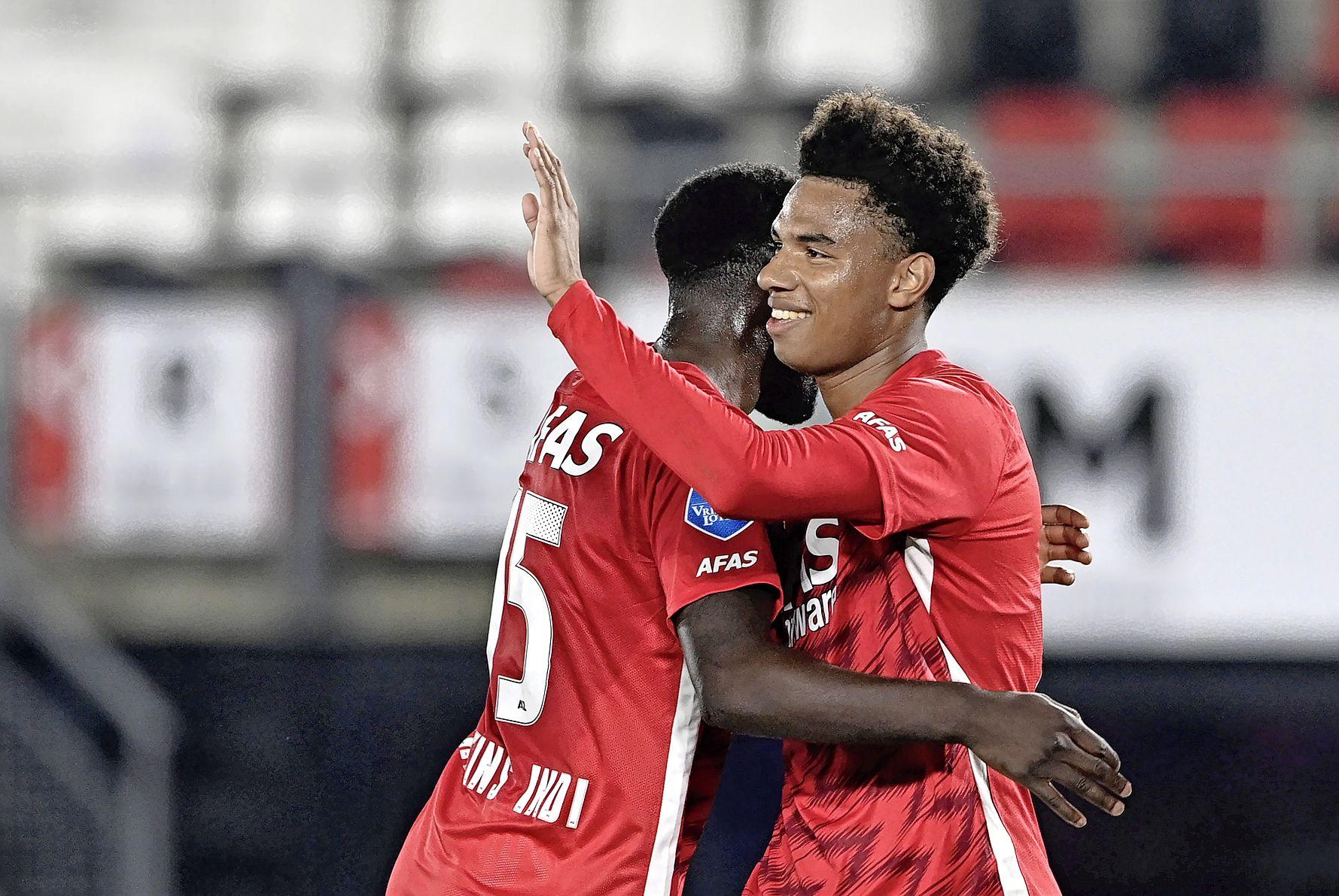 Opsteker voor AZ: Calvin Stengs is terug op het trainingsveld, vijf dagen voor wedstrijd tegen Feyenoord