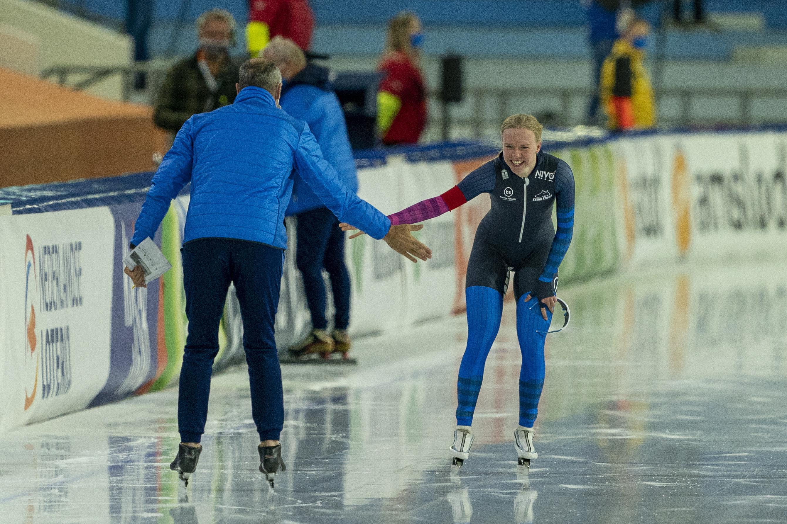 Castricumse Paulien Verhaar heeft stappen gemaakt bij nieuwe ploeg Team Frysk. Tijdens haar 'thuiswedstrijd' - het NK allround - reed ze sneller dan ooit