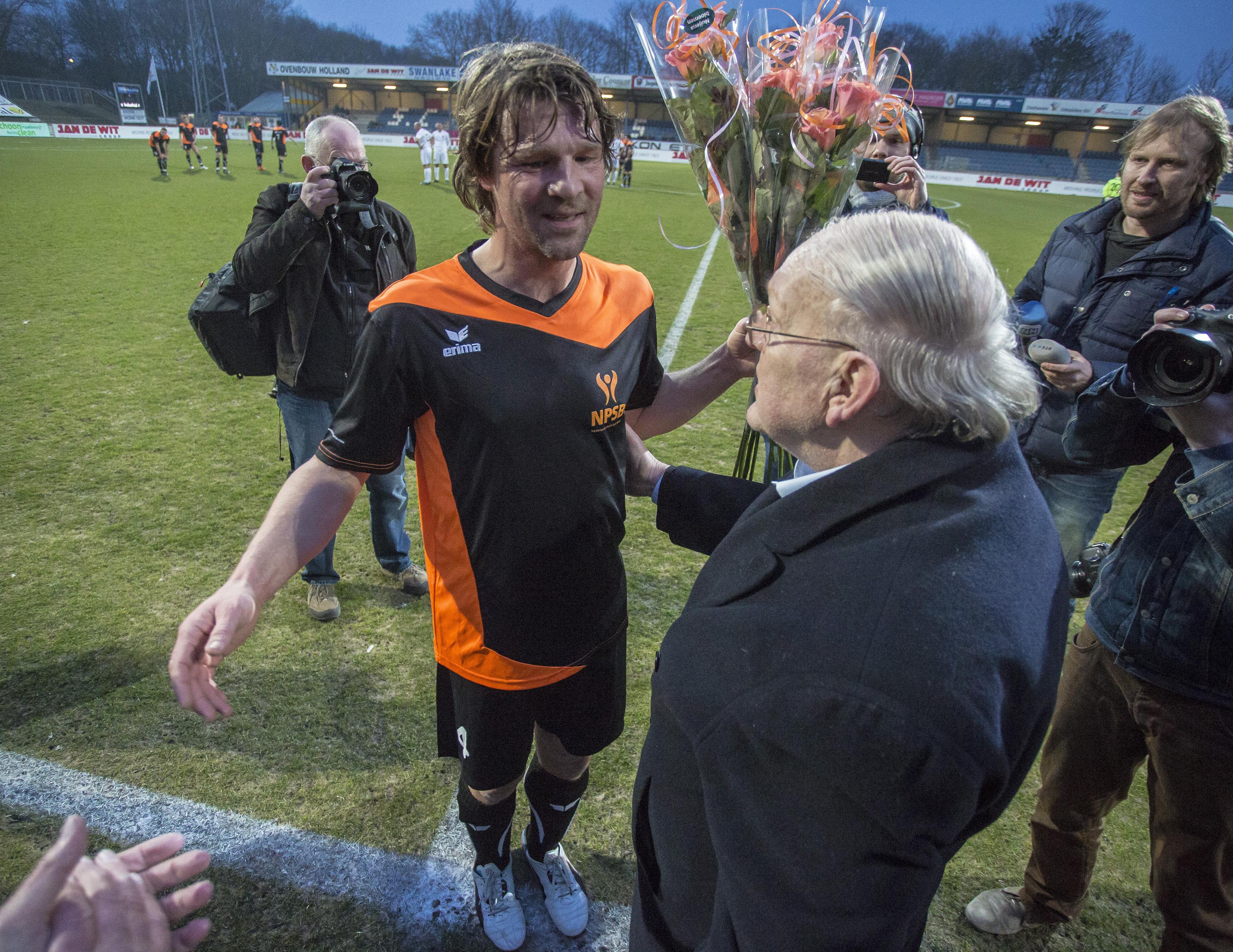 Trainersduo Arjan de Zeeuw en Pim Touber langer bij Vitesse'22