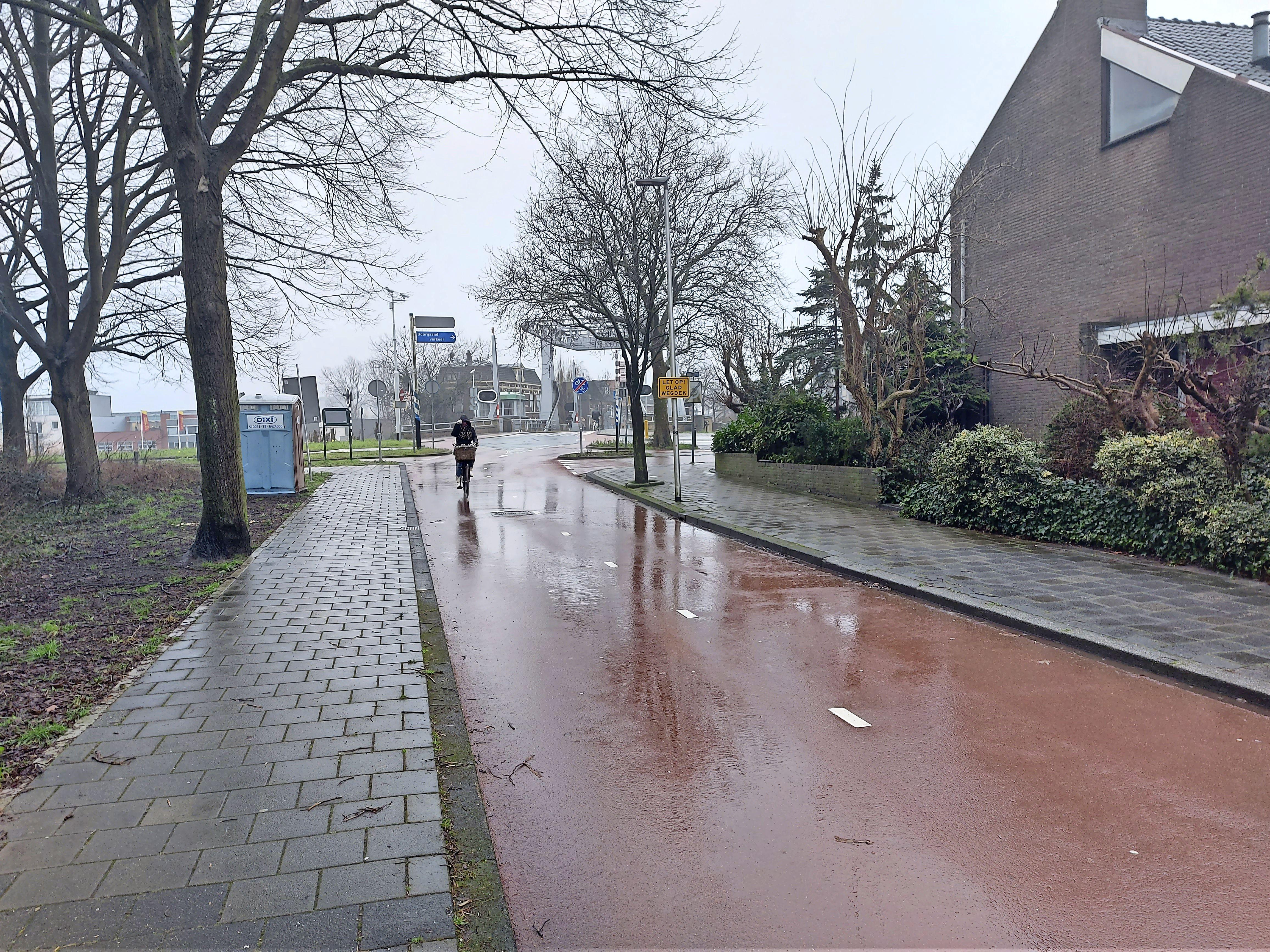 Hoeveelheid sluipverkeer op Splinterlaan valt wel mee, zegt de gemeente Leiderdorp