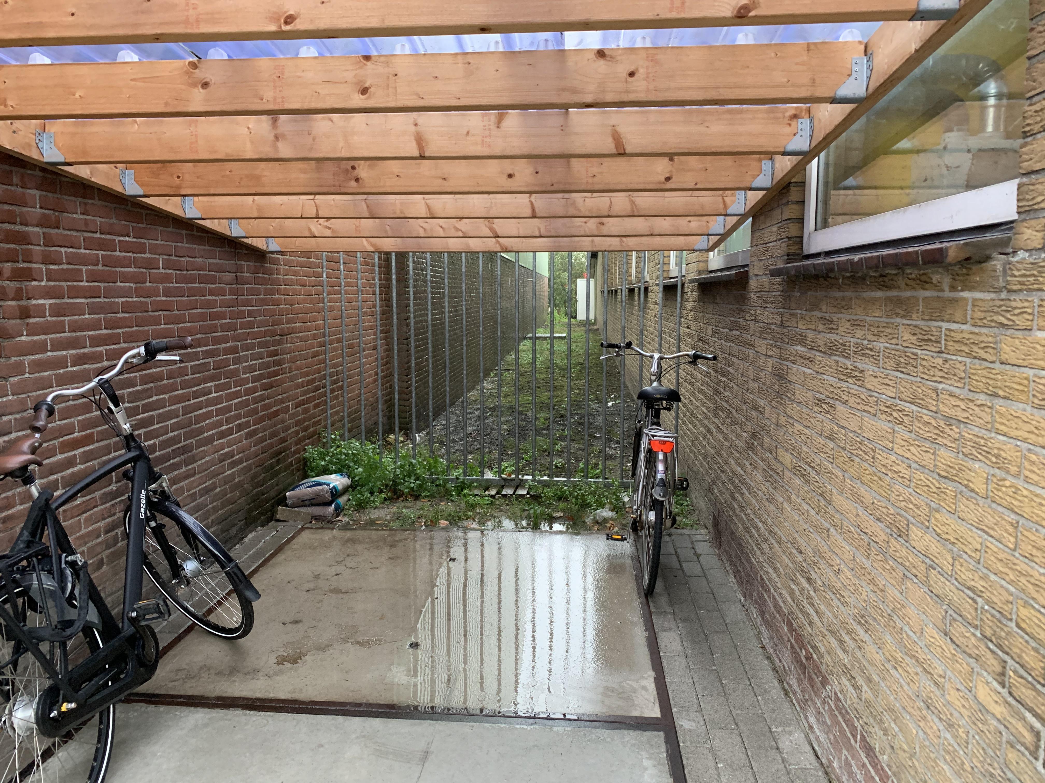 Lekker anoniem, amper sociale controle: Dat maakt bedrijfsunits op Gildenweg in Blokker aantrekkelijk voor hennepkwekerij