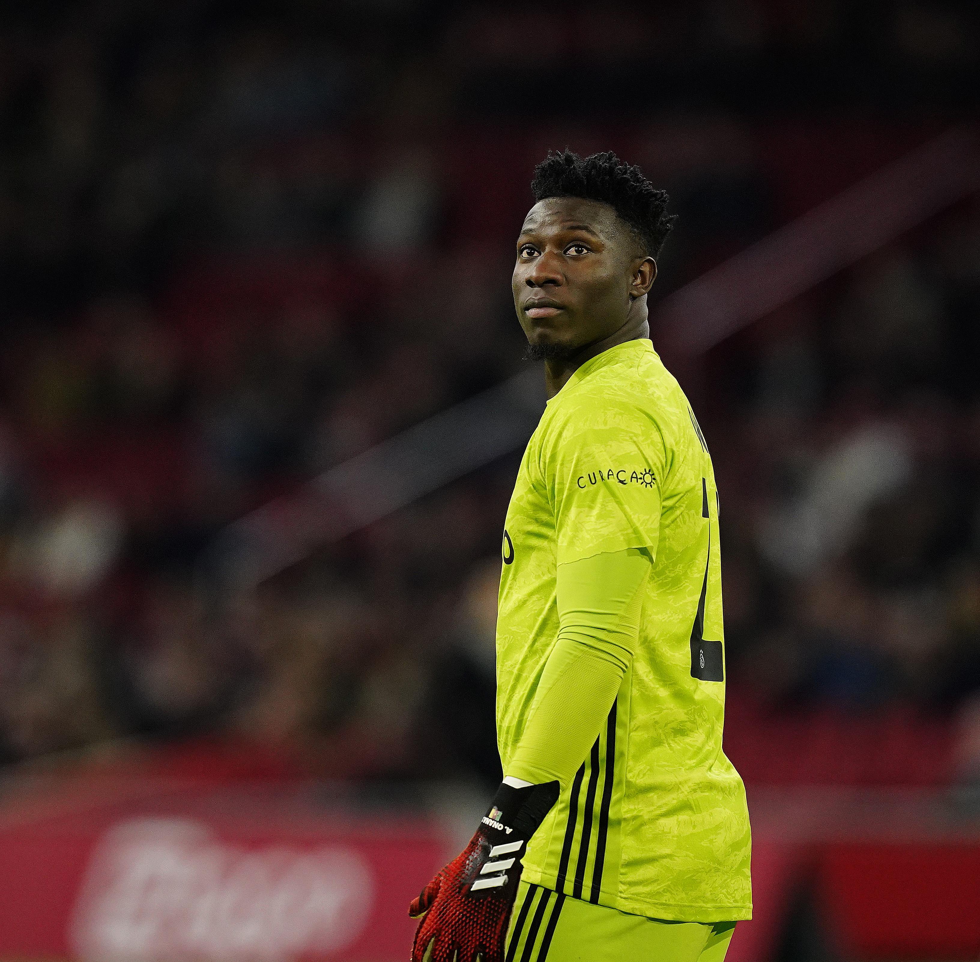 Ajax vraagt keeper Onana jaar langer te blijven en biedt beter contract aan