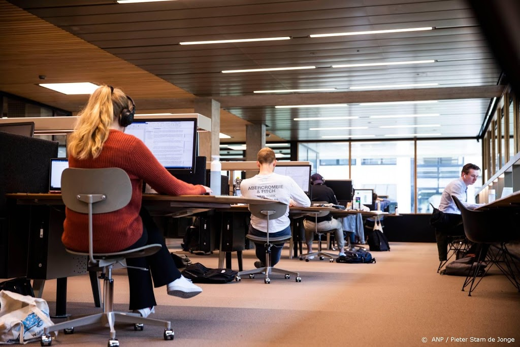 Universiteiten versoepelen toch bindend studieadvies om corona