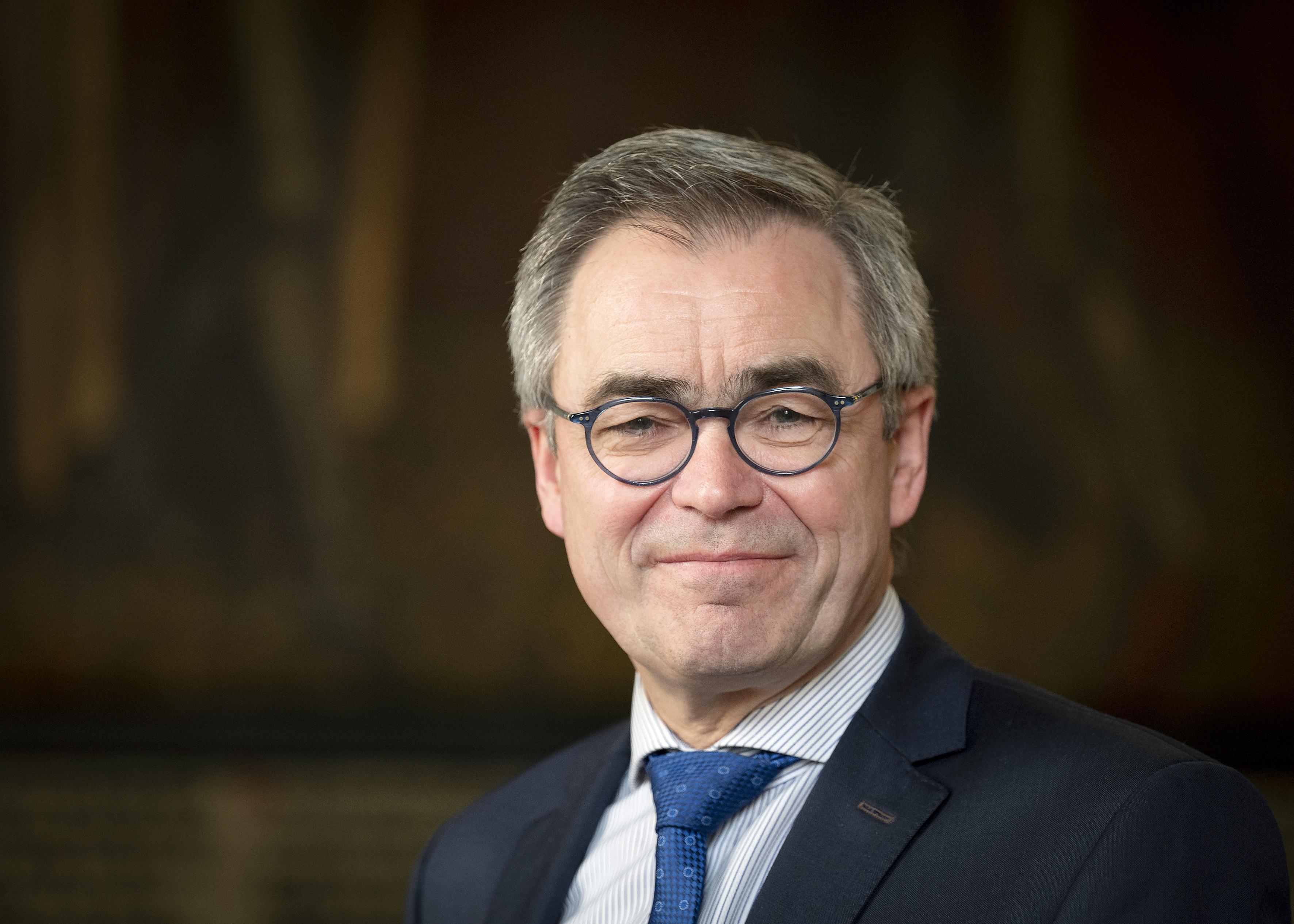 Burgemeester Wienen opent Koningsdag via livestream