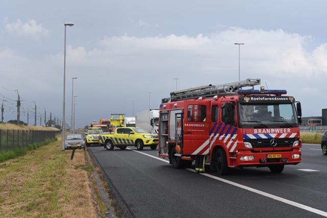 Drie auto's betrokken bij botsing op A4 bij Rijpwetering, één persoon gewond