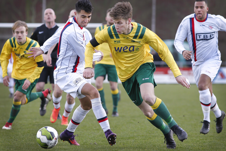 Gebroeders Mike en Danny Adrichem gaan van DEM naar FC Uitgeest en de overige overschrijvingen van niet-divisie clubs in Kennemerland