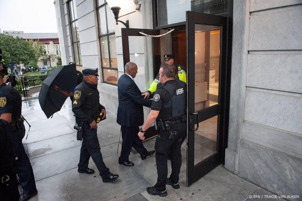 Bill Cosby verlaat cel na herroepen veroordeling in misbruikzaak