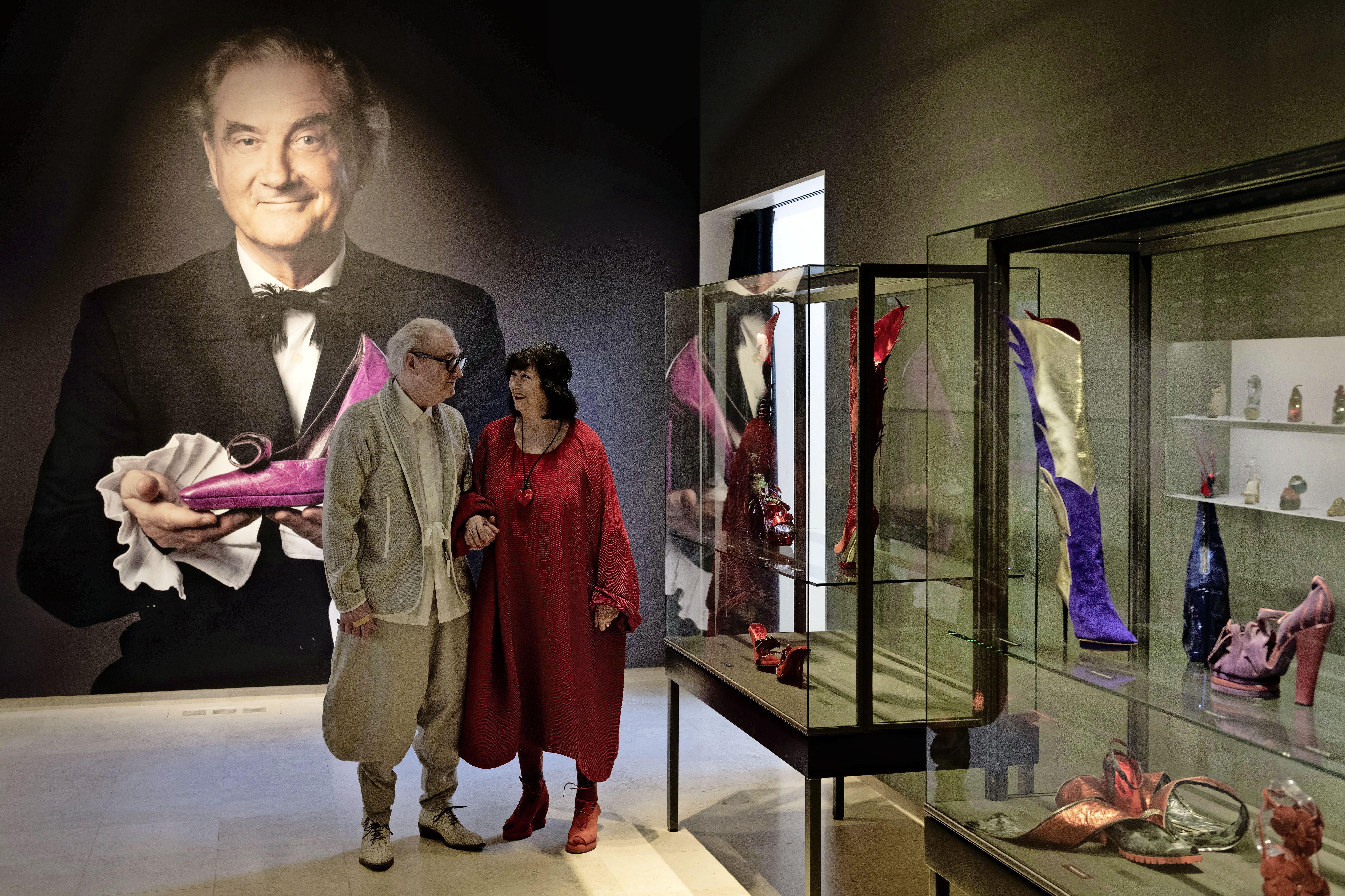 Jan Jansen ontwerpt al zestig jaar schoenen.'Ik maak wat ik mooi vind' In zijn archief liggen duizenden verschillende paren. In Museum Jan wordt een aantal uitgelicht en gecombineerd met het werk van een nieuwe generatie ontwerpers