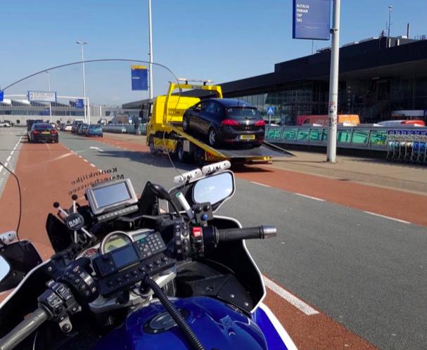 Marechaussee houdt automobilist voor de achttiende keer aan met ongeldig rijbewijs bij Schiphol