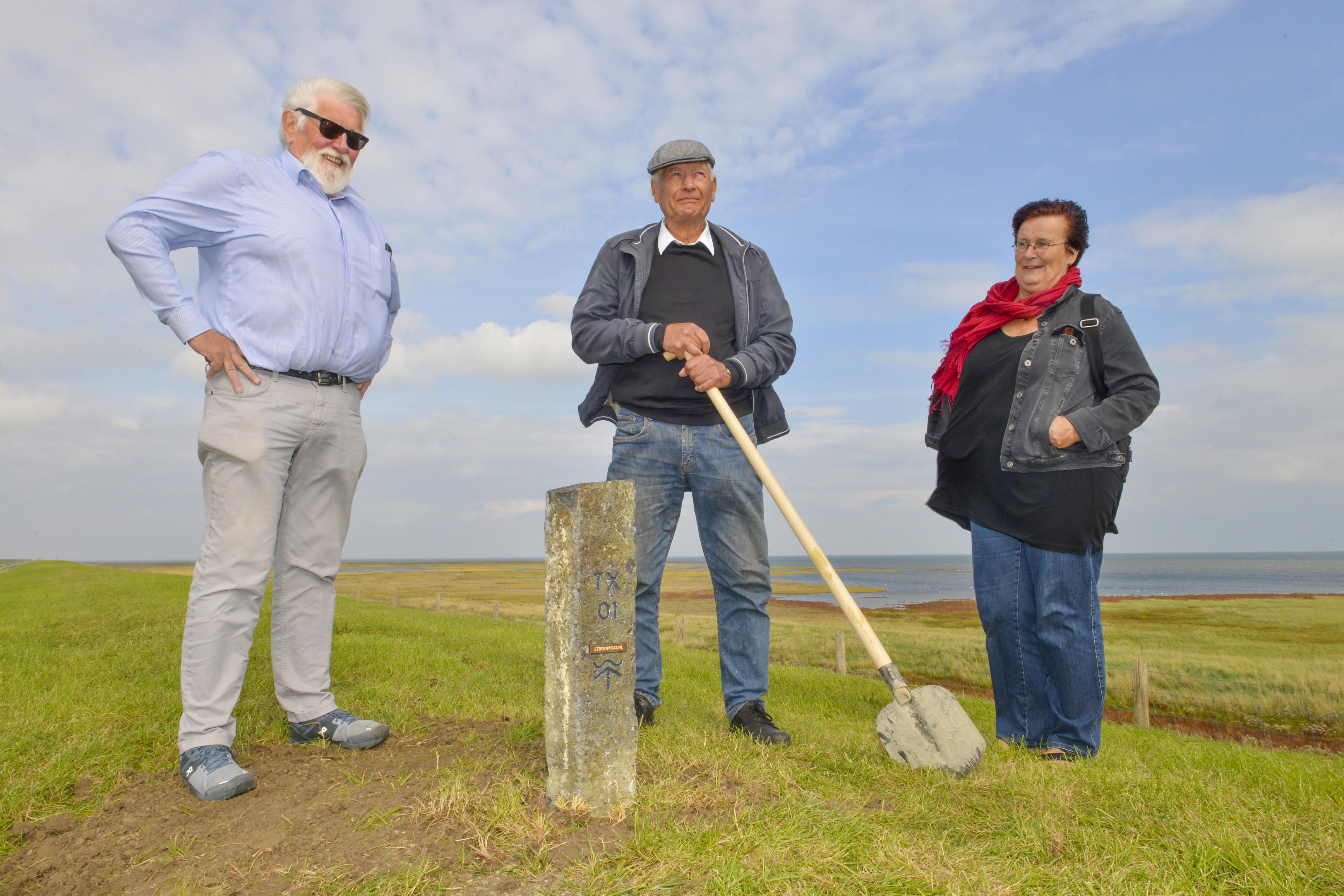 Stroomgatpaaltje markeert plek van watersnoodramp op Texel waarbij zes eilanders verdronken