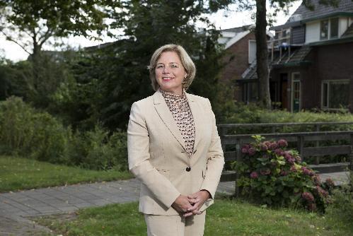 Primeur voor Koggenland: eerste kennismaking inwoners met nieuwe burgemeester Monique Bonsen via chat op Facebook