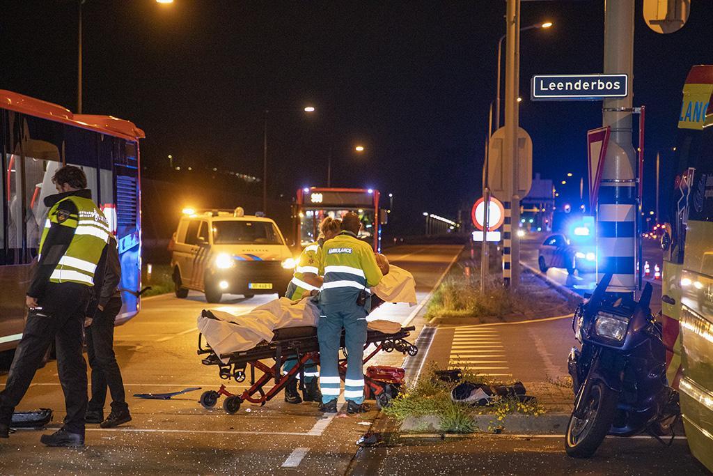Motorrijder gewond na aanrijding met bus in Hoofddorp