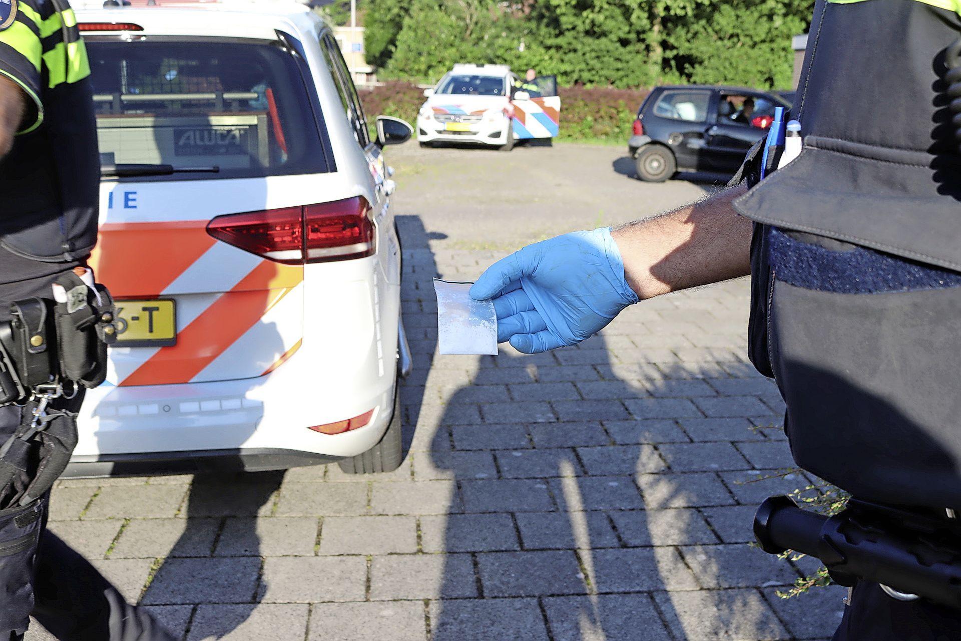 Cocaïne gevonden in busje bij aanrijding in Hillegom; bestuurder aangehouden