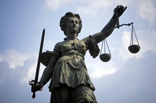 OM eist celstraf tegen man die 70-jarige Alphenaar 'uit het niets' in zijn gezicht sloeg