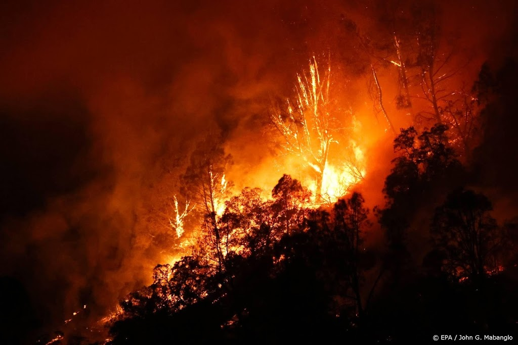 60.000 mensen geëvacueerd in Californië vanwege natuurbrand