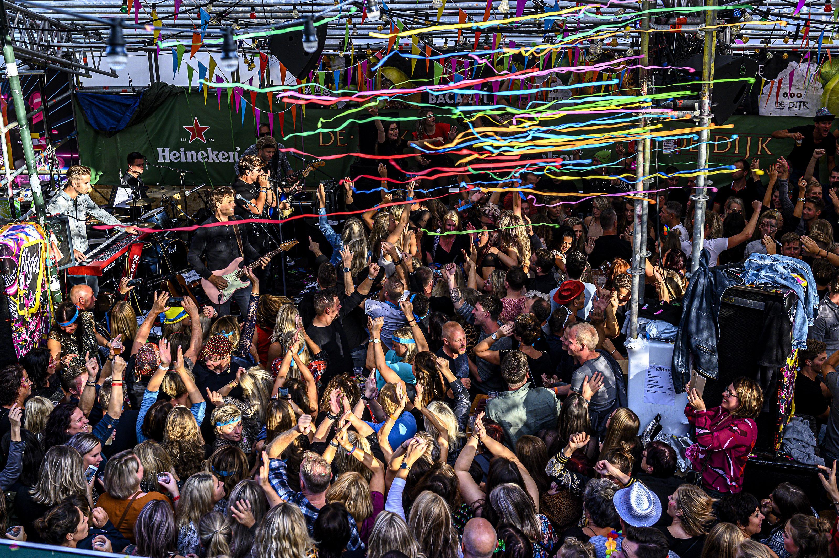 Tegen welke prijs kun je begin september kermis vieren in Volendam? (En vul gelijk de enquête in)