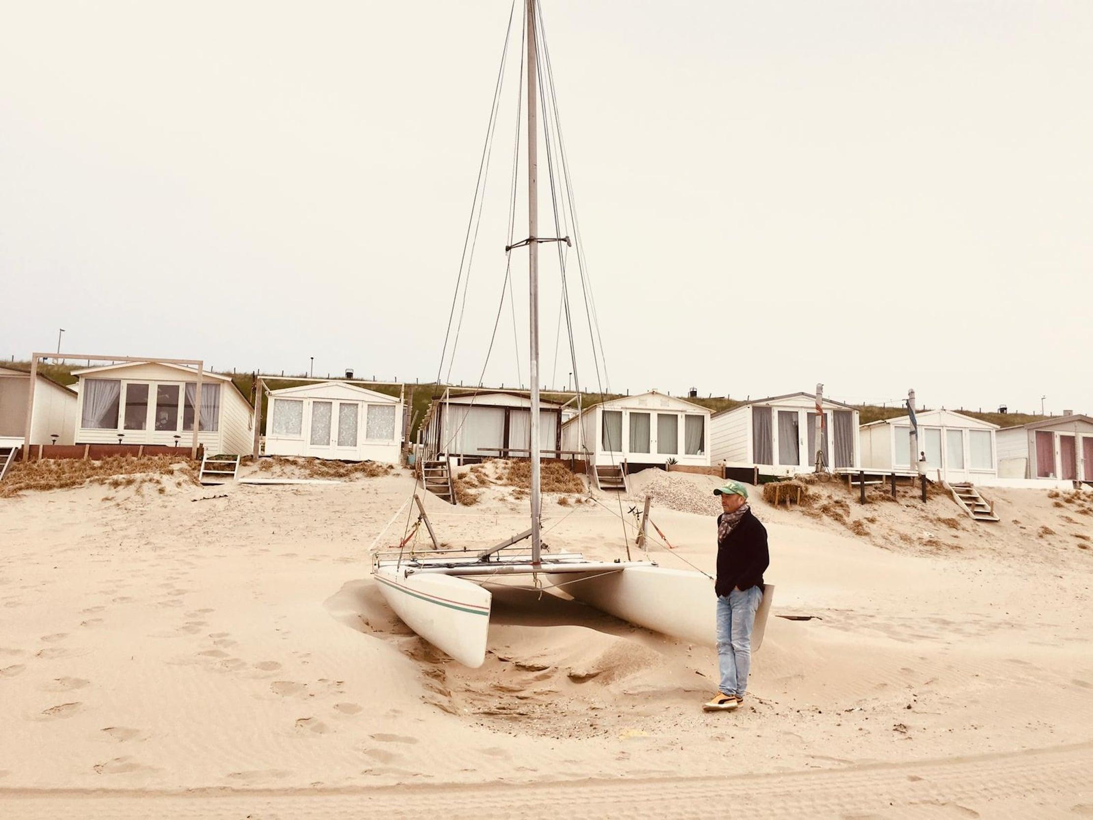 Casinoman Minze Zwerver (61) schrijft thriller De Zandvoort Moorden en geeft daarmee iets terug aan het zeedorp van zijn jeugd
