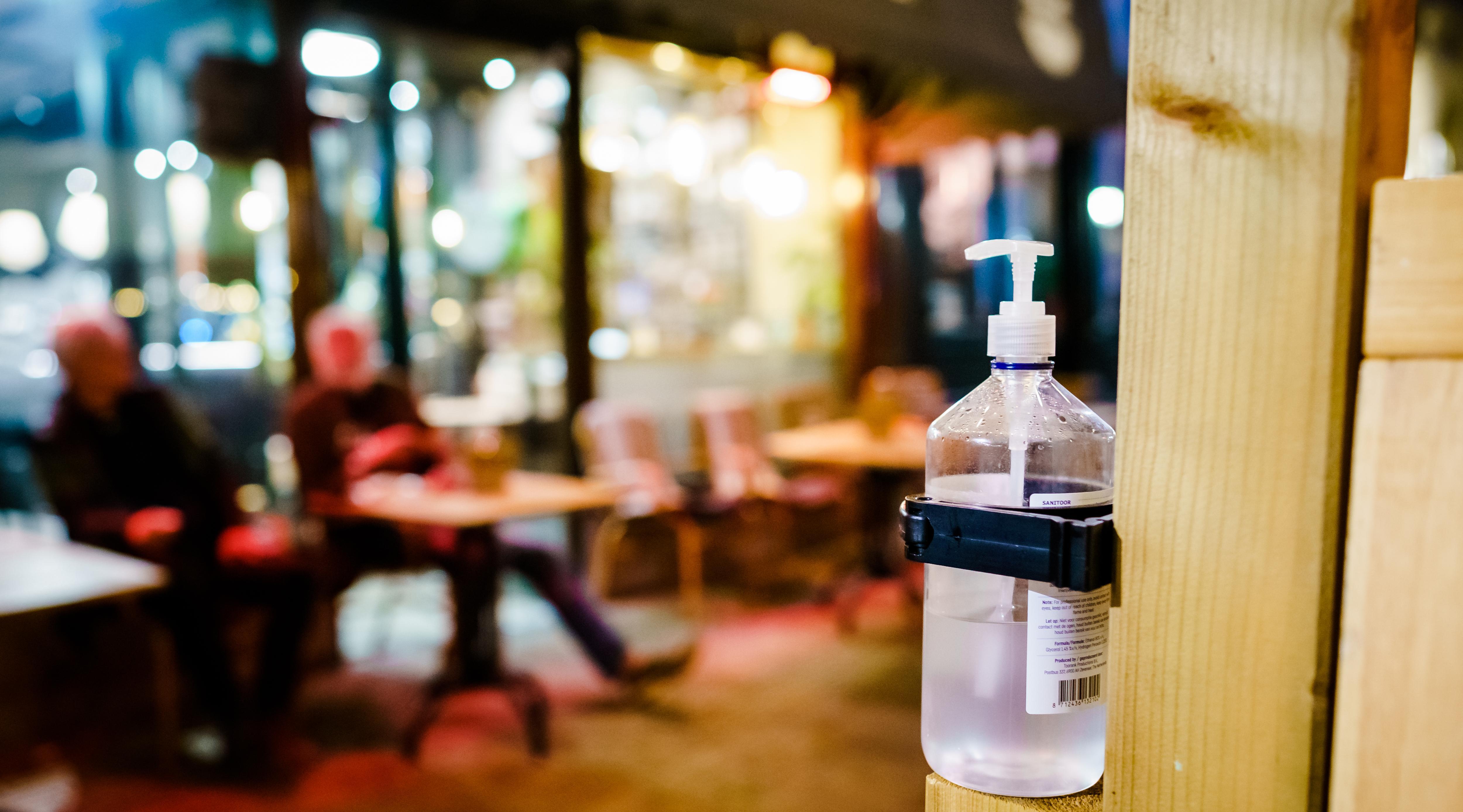 Verscherpte coronaregels in Zaanstreek-Waterland: aantal besmettingen loopt te hard op