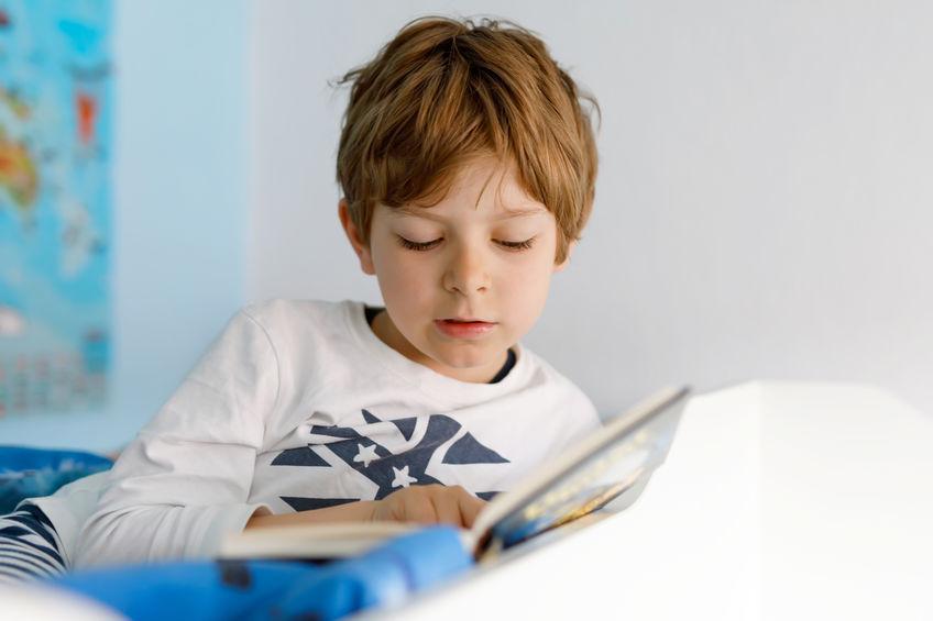 Zo krijg je kinderen weer aan het lezen