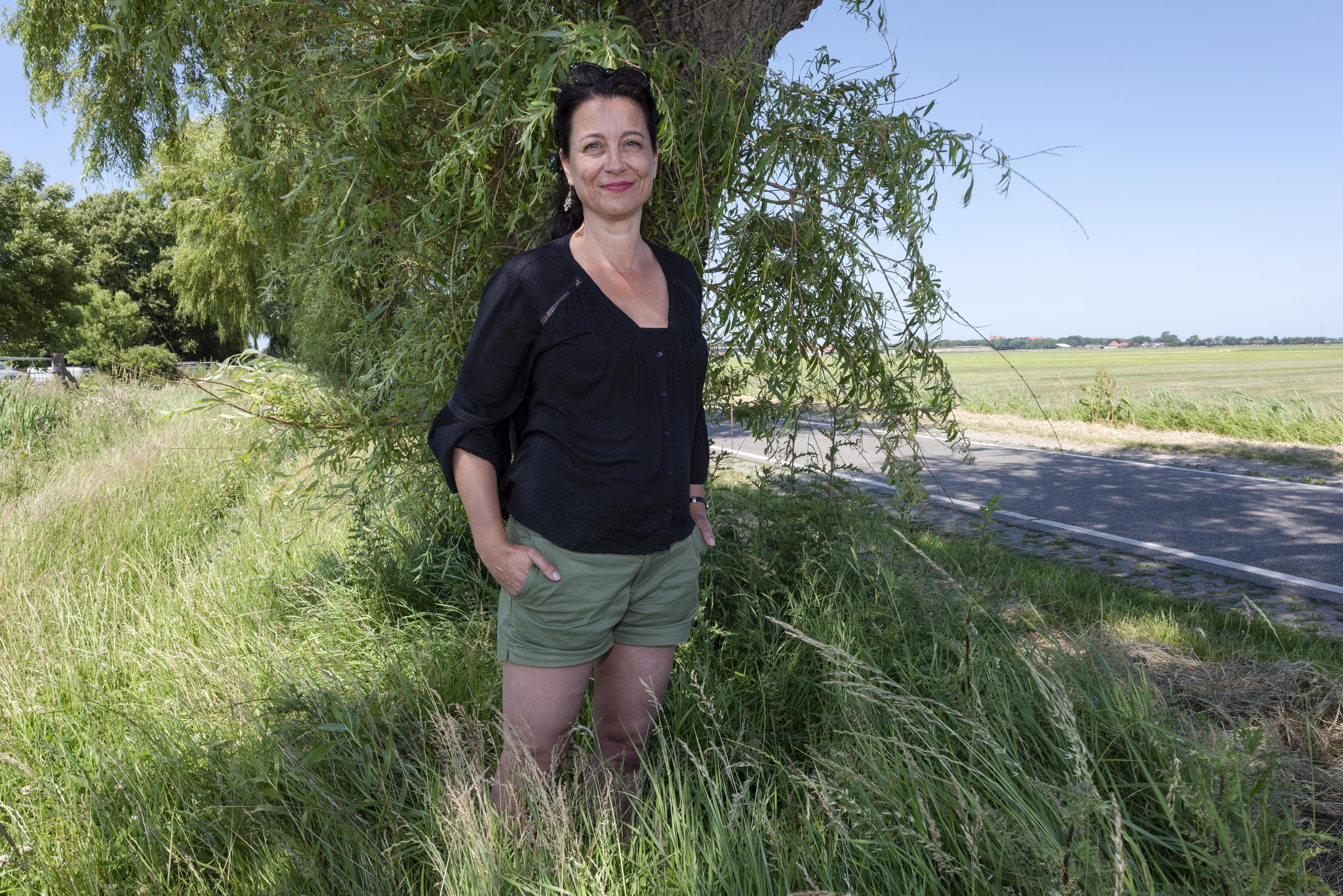 Suzanne Buis schrijft Noord-Hollandse bijdrage aan boek met volksverhalen uit de twaalf provincies: 'Voor provinciale zaken moet je bij mij zijn'