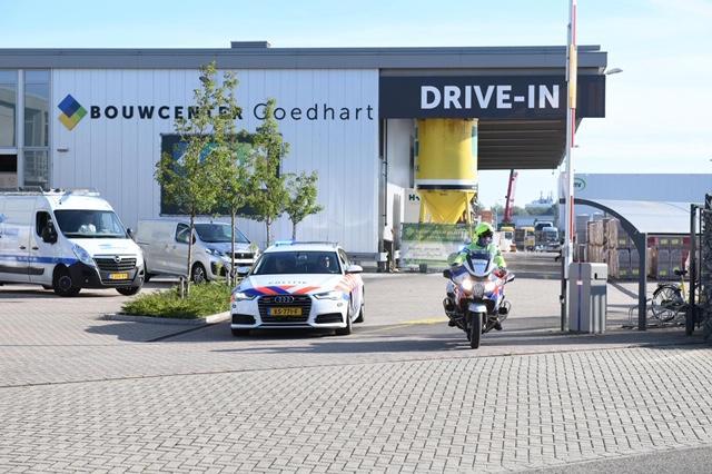 Bedrijfsongeval in Alphen aan den Rijn, slachtoffer met spoed naar ziekenhuis
