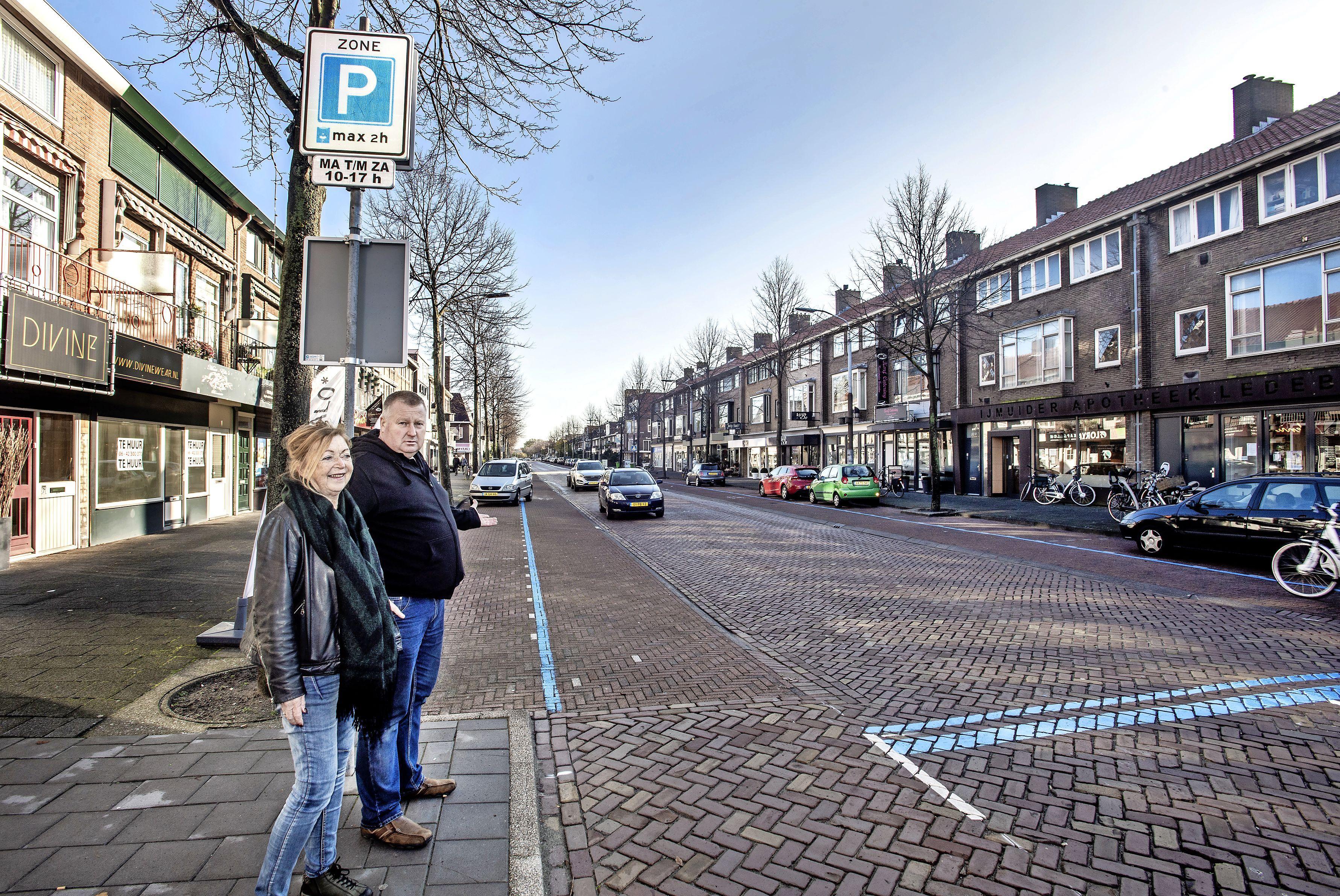 Blauwe zone Kennemerlaan in IJmuiden komt er, maar is wel korter. Straks ook parkeerschijf nodig bij de Vomar
