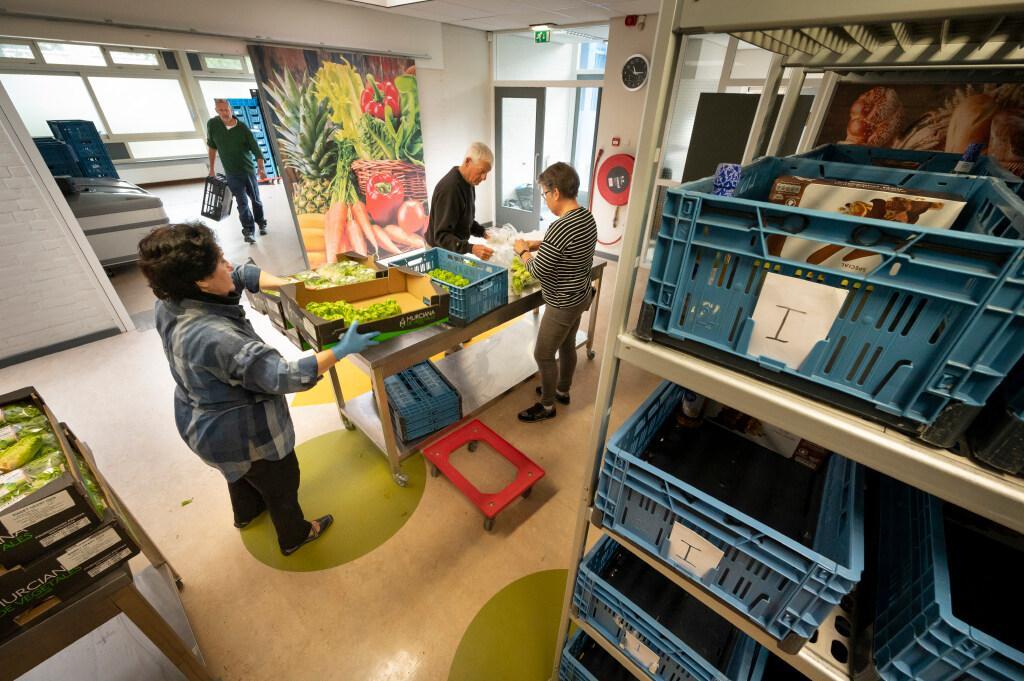 Voedselbank Katwijk opent nieuw pand: 'Het is een lange zoektocht geweest, maar we zijn heel trots op het resultaat'