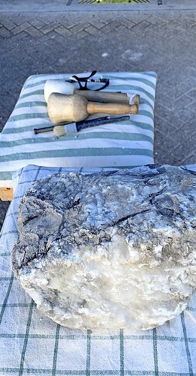 In een harde steen schuilt een zacht lichaam