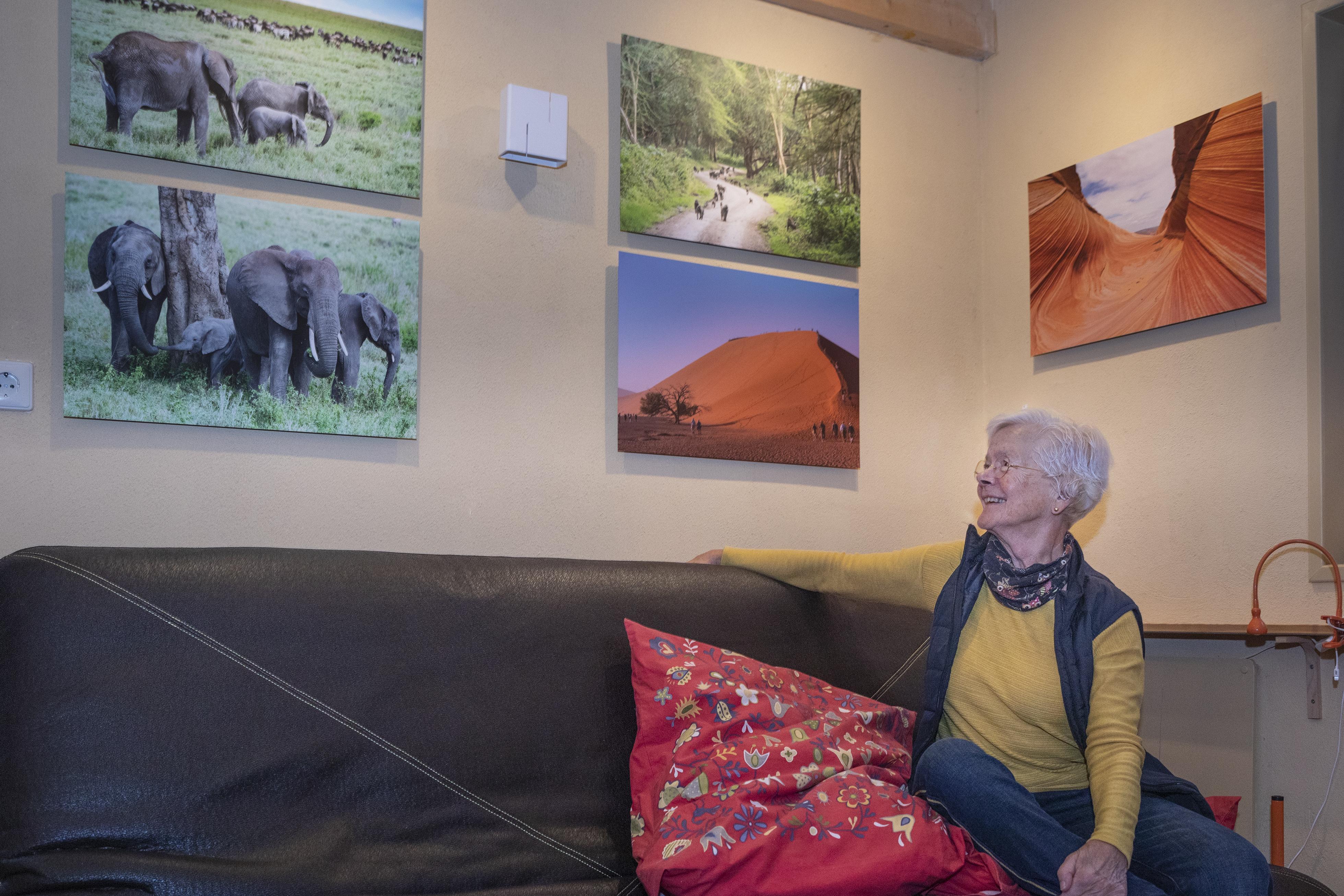Texelse Annemieke kan niet zonder reizen. Dus maakt ze mini-exposities van haar foto's. 'Eén mooie foto brengt een hele vakantie tot leven'
