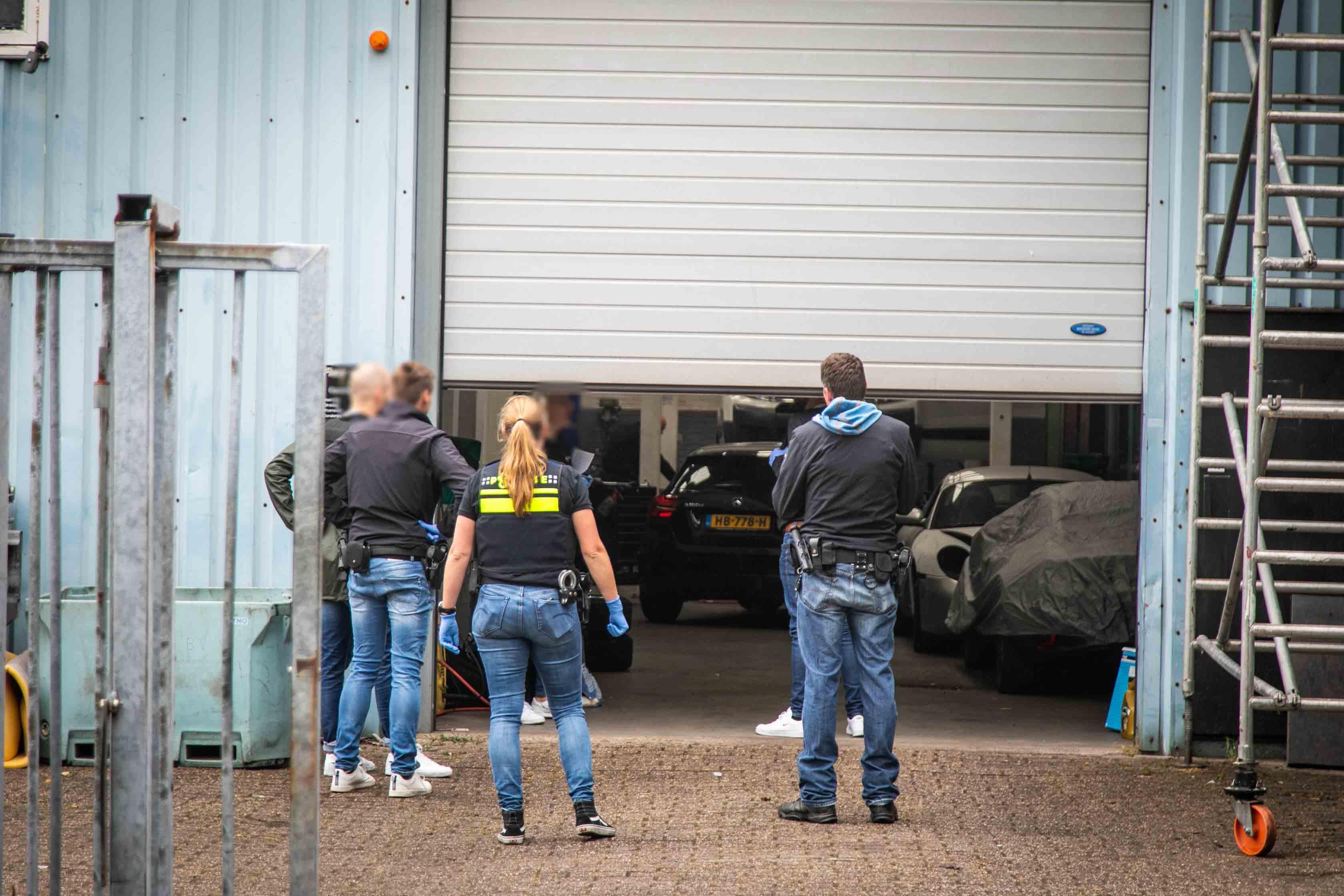 Vier arrestaties om partij coke in loods