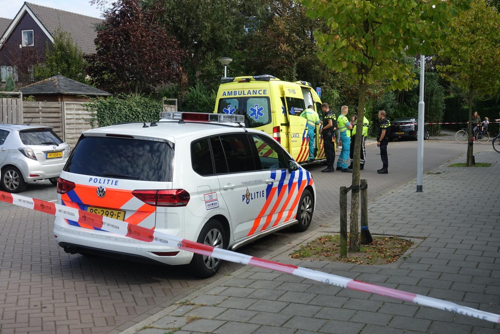 Jonge fietsster met spoed naar ziekenhuis na ongeval in Krommenie