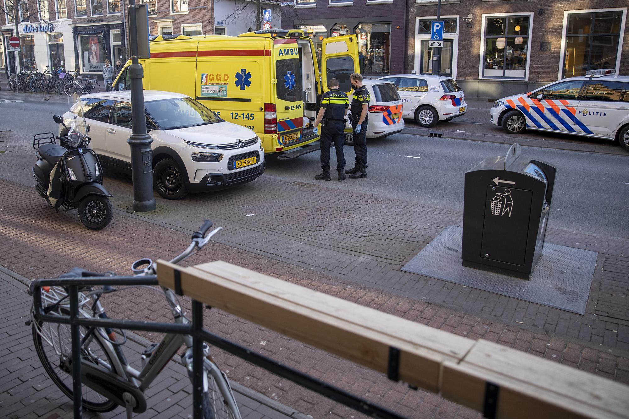 Fietser gewond bij botsing met inhalende scooter in Haarlem