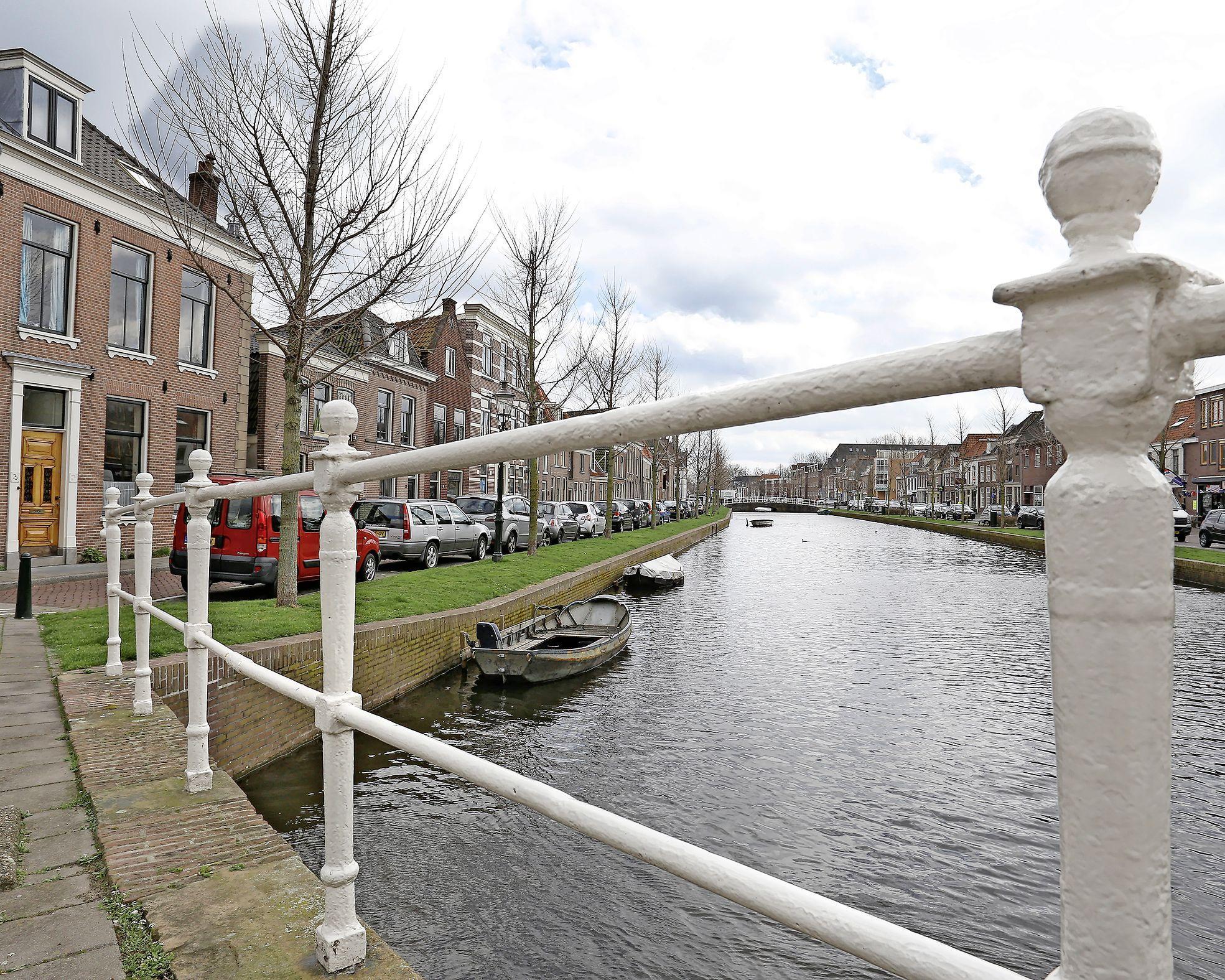 Moegestreden Stichting Bewonersbelangen Weesp staakt het werk voor inspraak inwoners: 'Coalitiepartijen zijn jaknikkers' en 'Wij zijn minachting van gemeentebestuur beu'