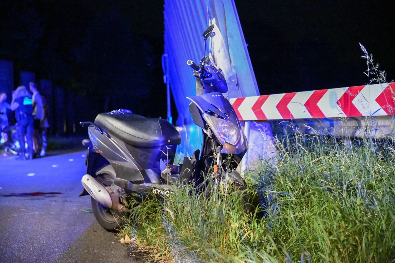 Scooterrijder zwaargewond bij ongeval langs N201 in Hilversum