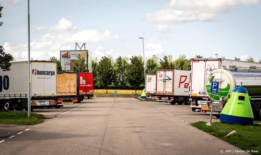 Migranten ontsnapt uit afgesloten vrachtwagen in Duitsland