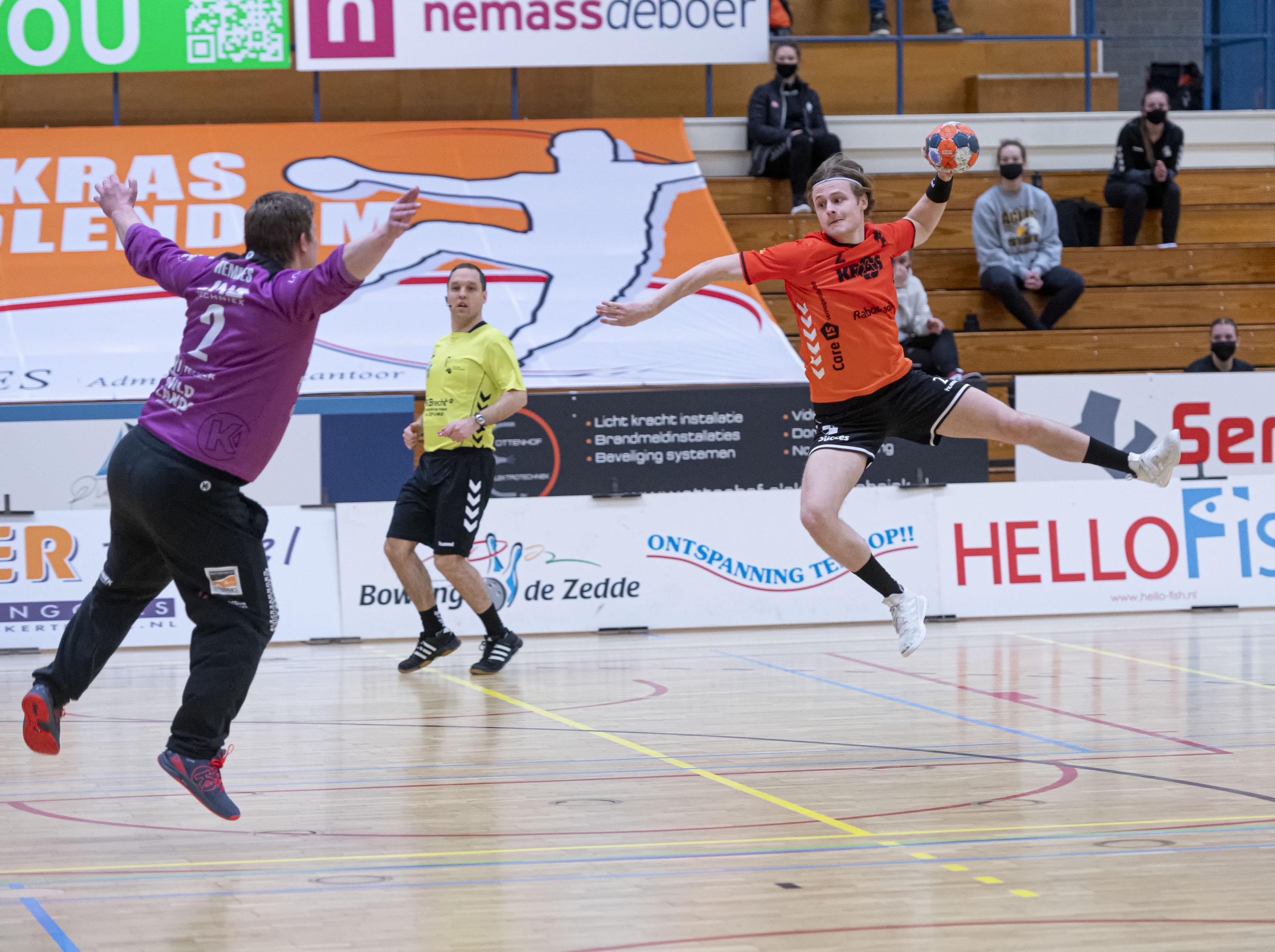 Handballers Volendam zetten na rommelige periode rond trainerswissel Hurry Up ondanks gebrek aan wedstrijdritme overtuigend opzij: 'Als we meer geduld hebben komen er vanzelf betere kansen'