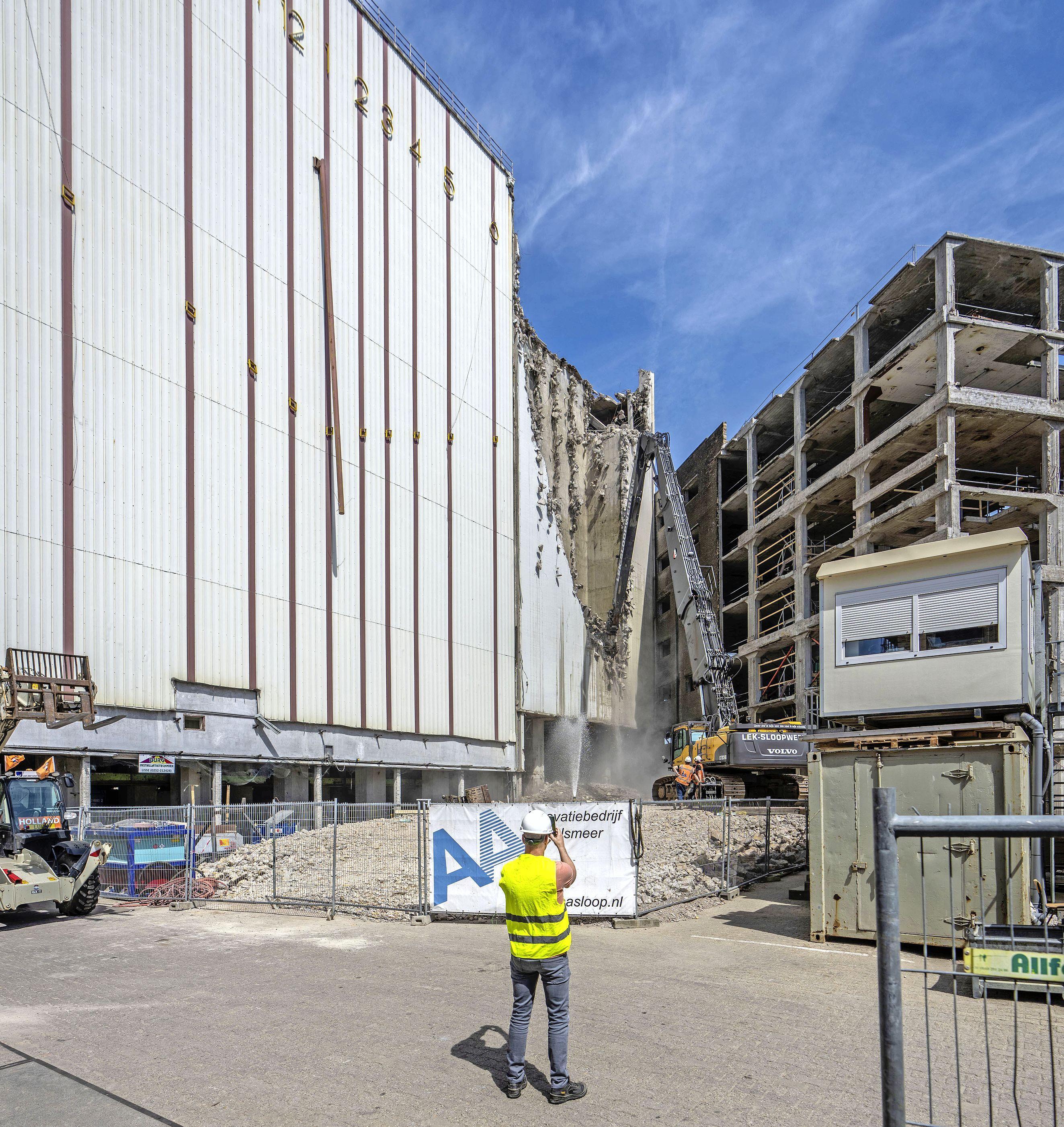 De ooit grootste zonnewijzer van Europa staat in Leiden en wordt ontmanteld [video]
