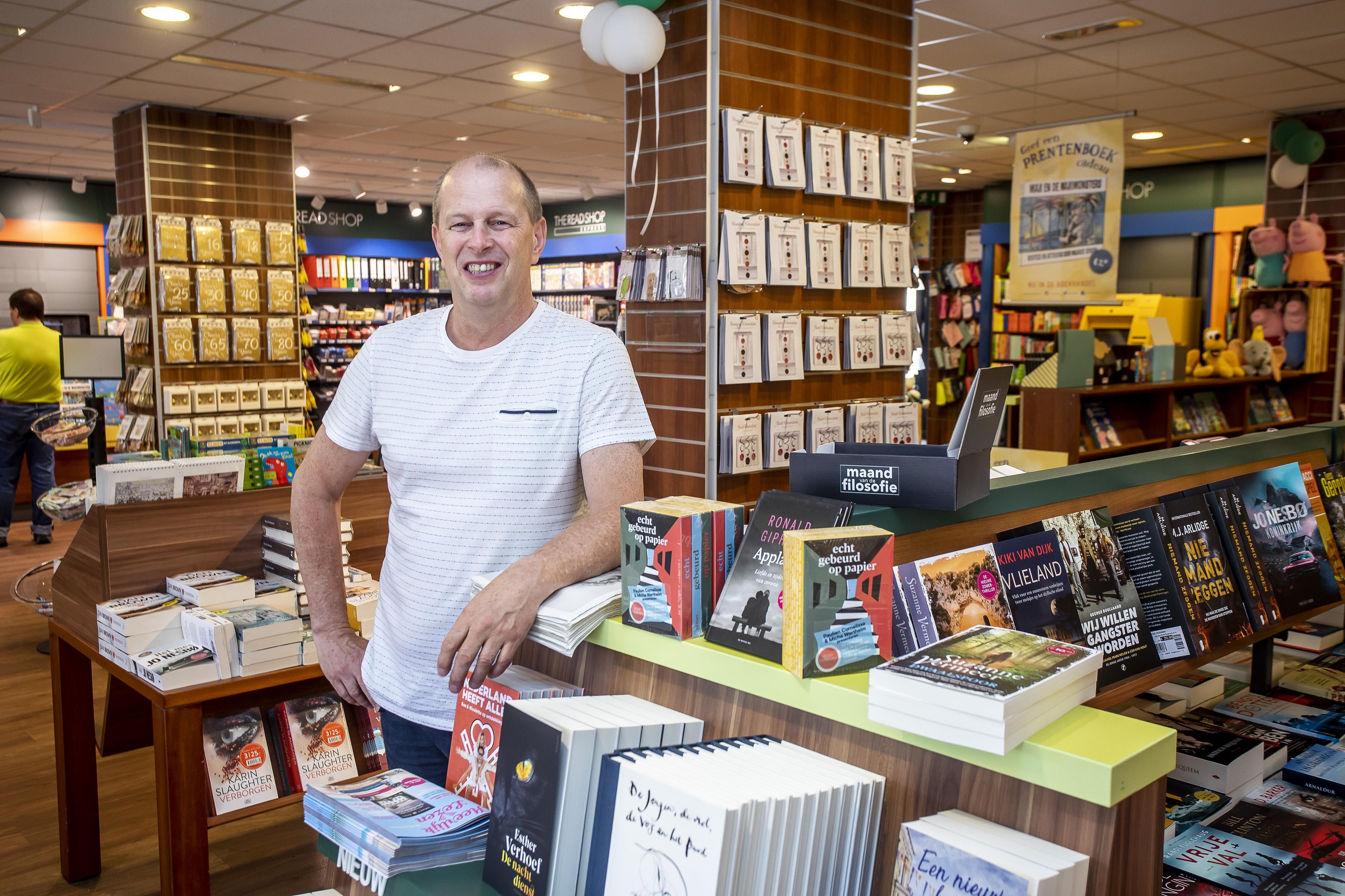 Meer ruimte voor de klanten, een ruimere presentatie en een groter assortiment. The Read Shop in IJmuiden heeft een ingrijpende verbouwing ondergaan