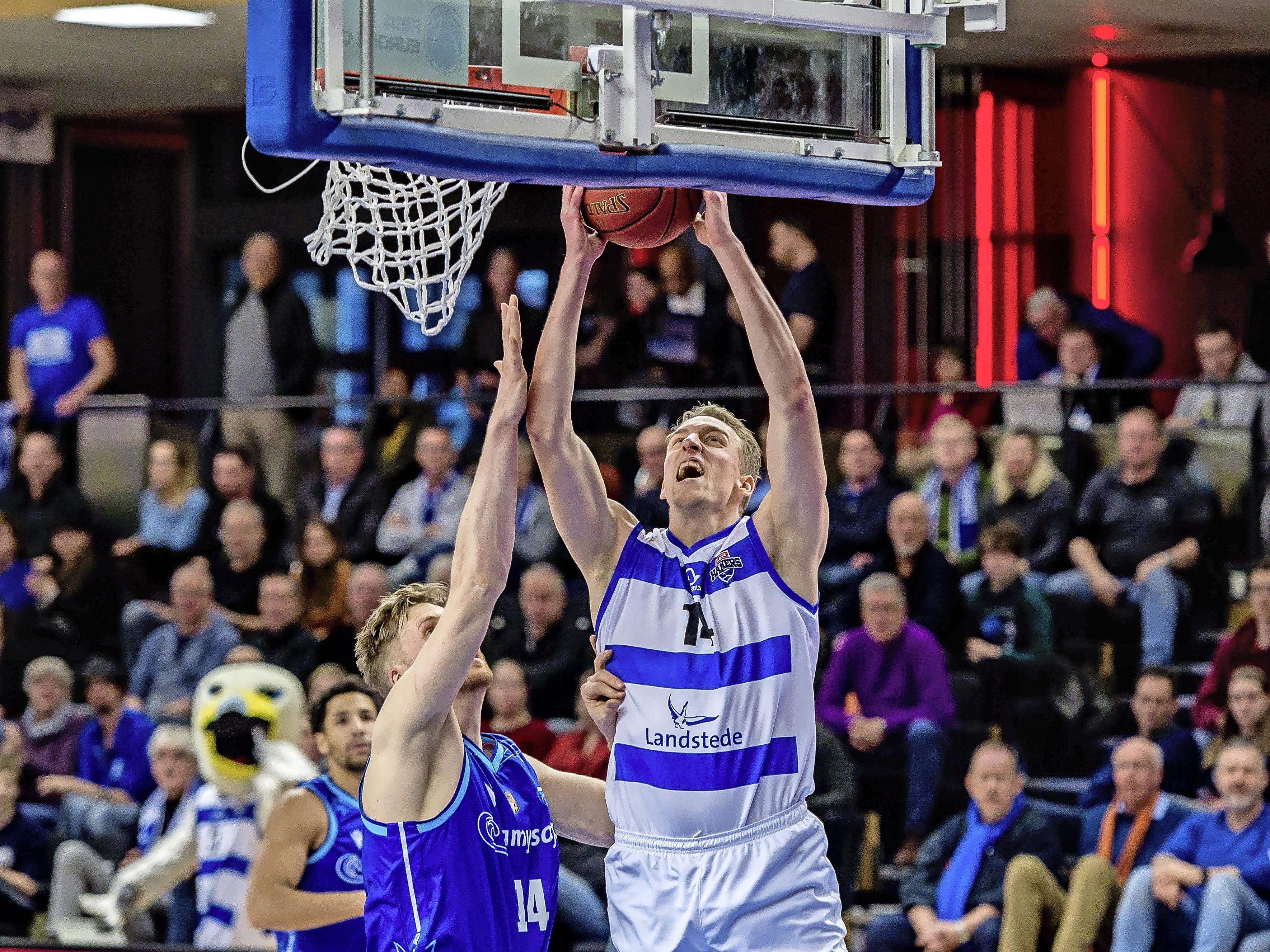 Alkmaarse basketballer Kevin Bleeker na dertien maanden blessureleed terug in eredivisie: 'Nu is het zaak om weer te bewijzen wat ik waard ben'