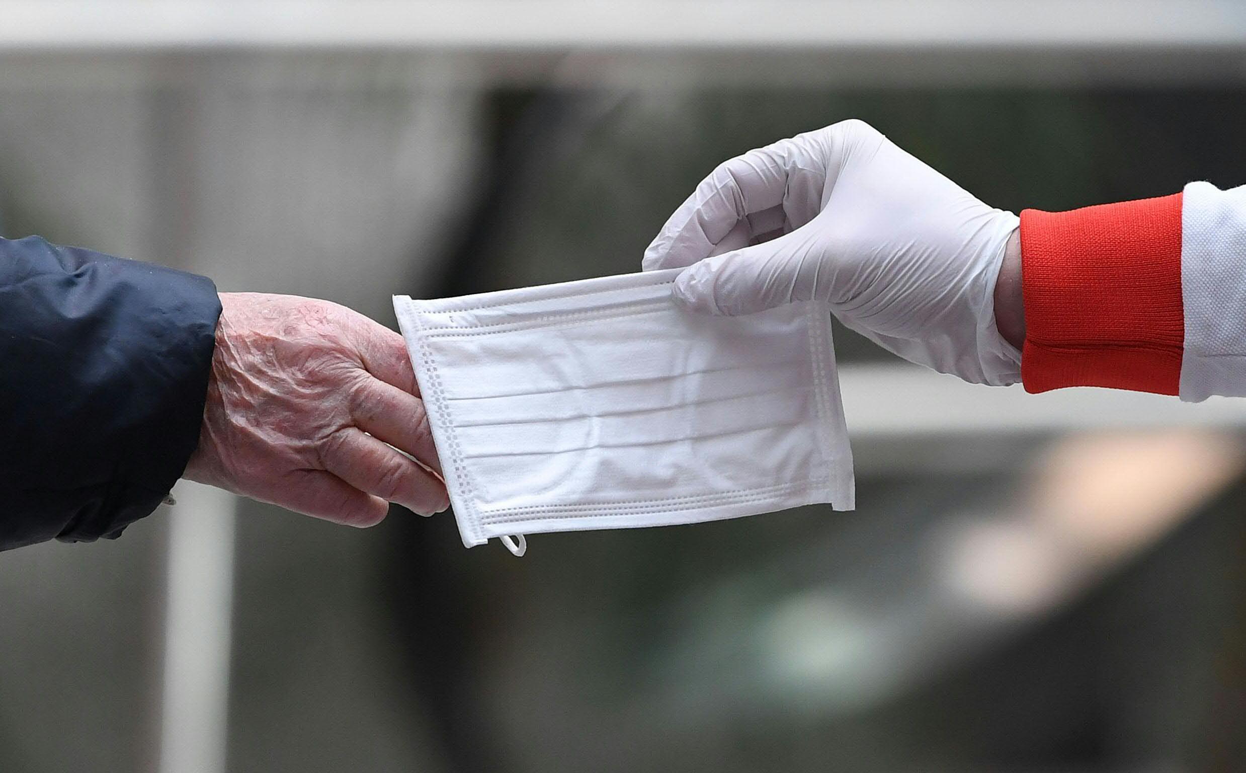 Rode Kruis Ziekenhuis Beverwijk vraagt bezoekers een mondkapje te dragen, Spaarne Gasthuis heeft het verplicht