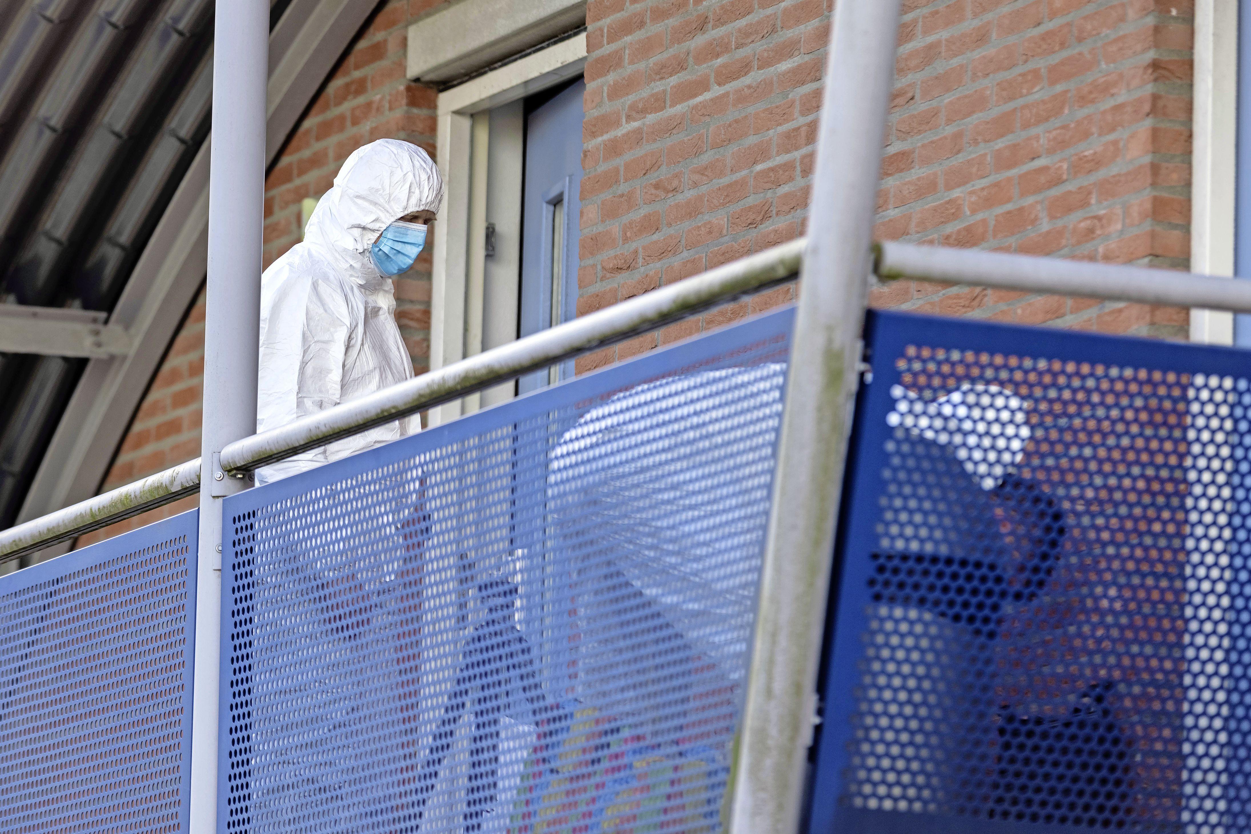 Slachtoffer was op visite in bovenwoning, waar het vreselijk misging. Justitie beschouwt gearresteerde man (37) na vondst lichaam als verdachte van moord of doodslag