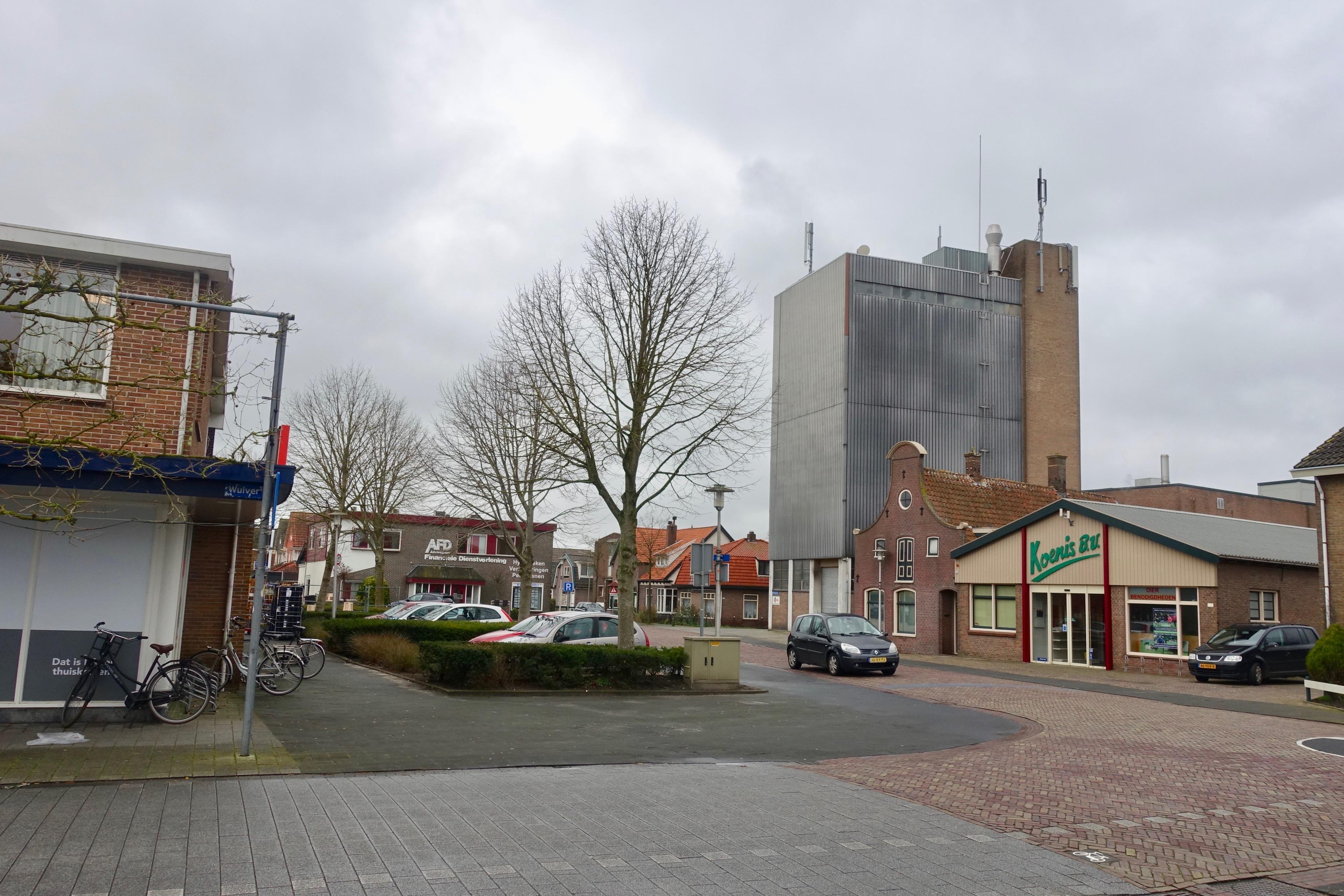 Opmeer bekijkt met Scholtens plan voor huizen en super op plek Koenis