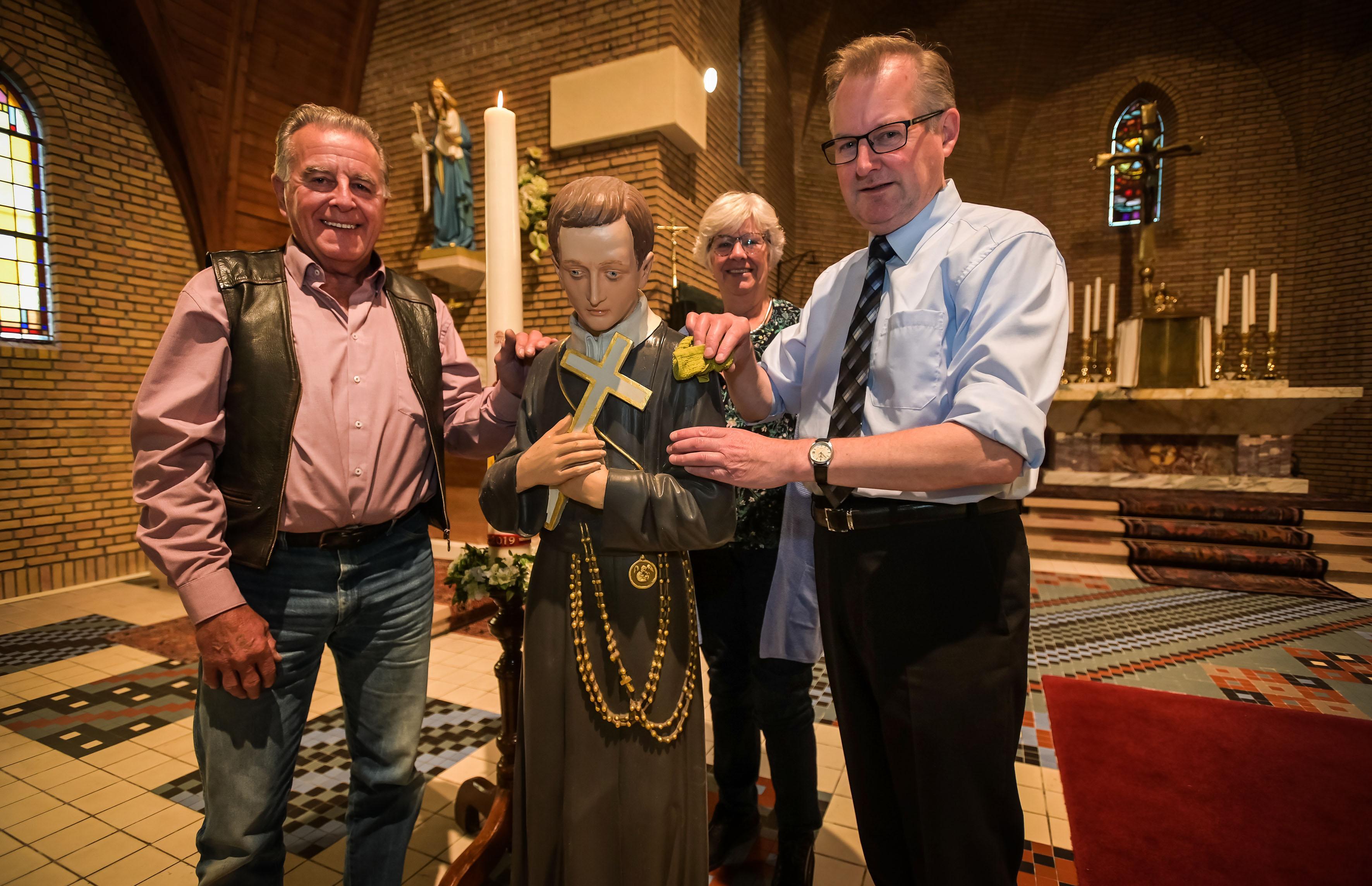 Honderdjarige parochie in Onderdijk kan terugvallen op grote groep vrijwilligers: 'Mooi studderen voor de kerk'